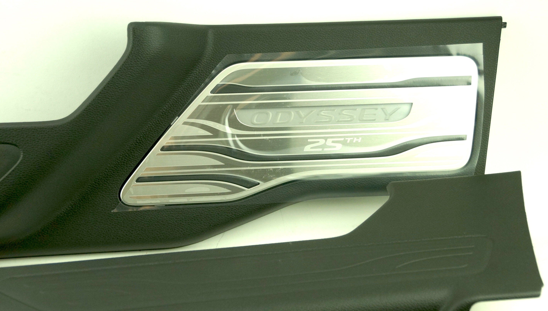 OEM 08E12THR100B Genuine Honda Odyssey 25th Anniversary Illuminated Door Sill - image 10