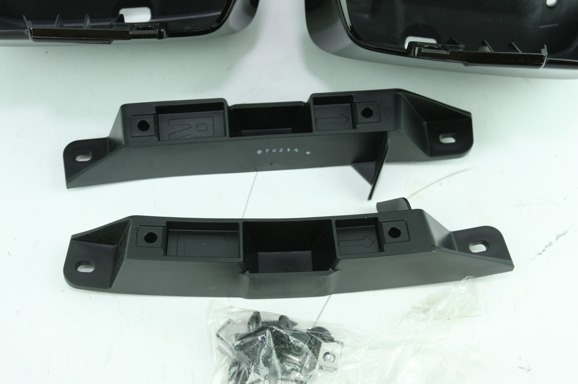 ** New Genuine OEM Honda 08P09-TZ3-260 Rear Splash Guard Set Acura TLX - image 7