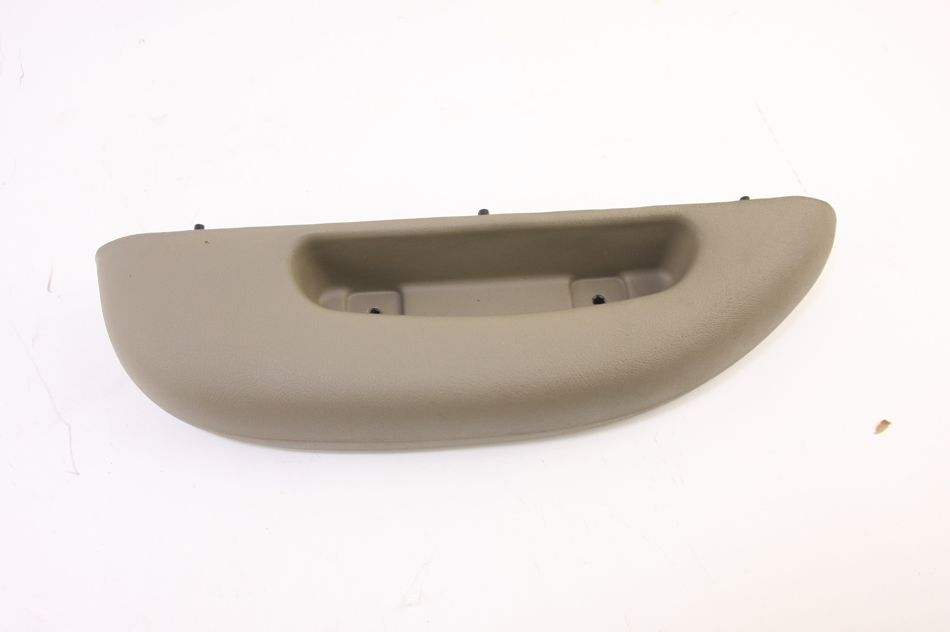 *** New OEM 12376621 GM LH Door Panel Armrest Tan 96-02 Chevy Express GMC Savana - image 1
