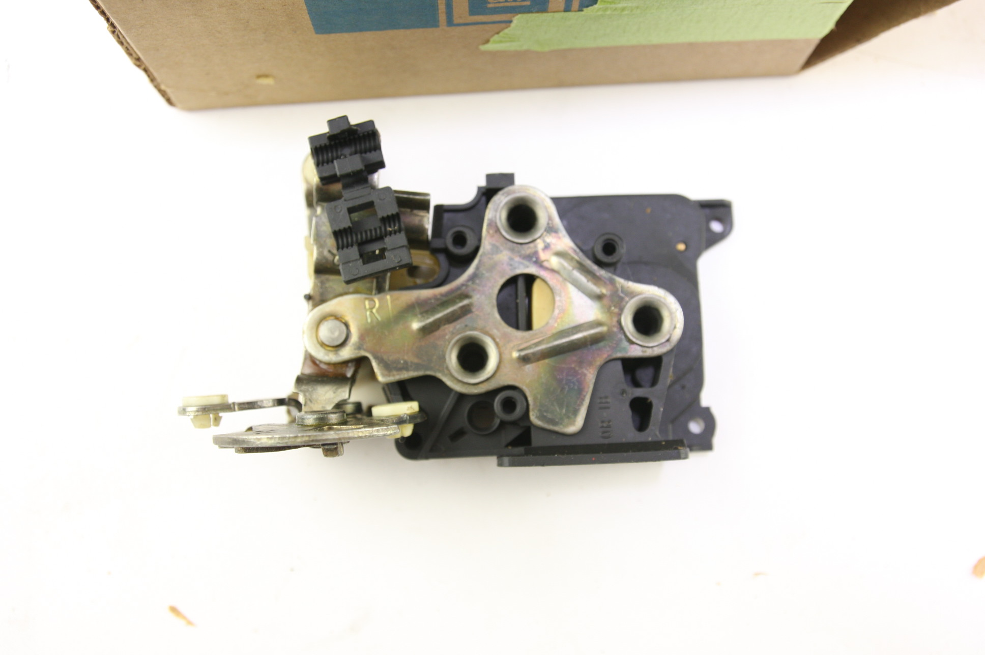 * New OEM 16629726 Genuine GM Front Door Lock Kit Free Shipping NIP - image 3