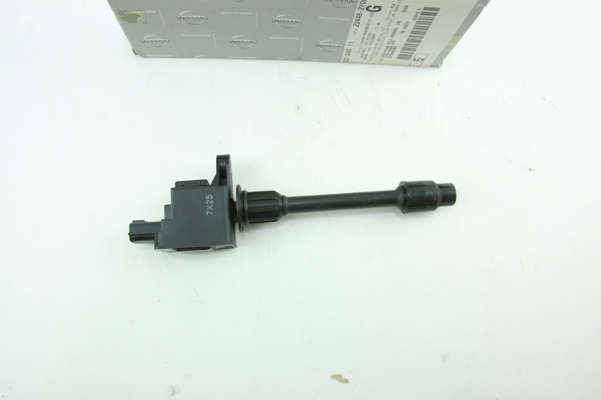 ** New Genuine OEM Nissan 224482Y000 Ignition Coil Fast Free Shipping - image 4