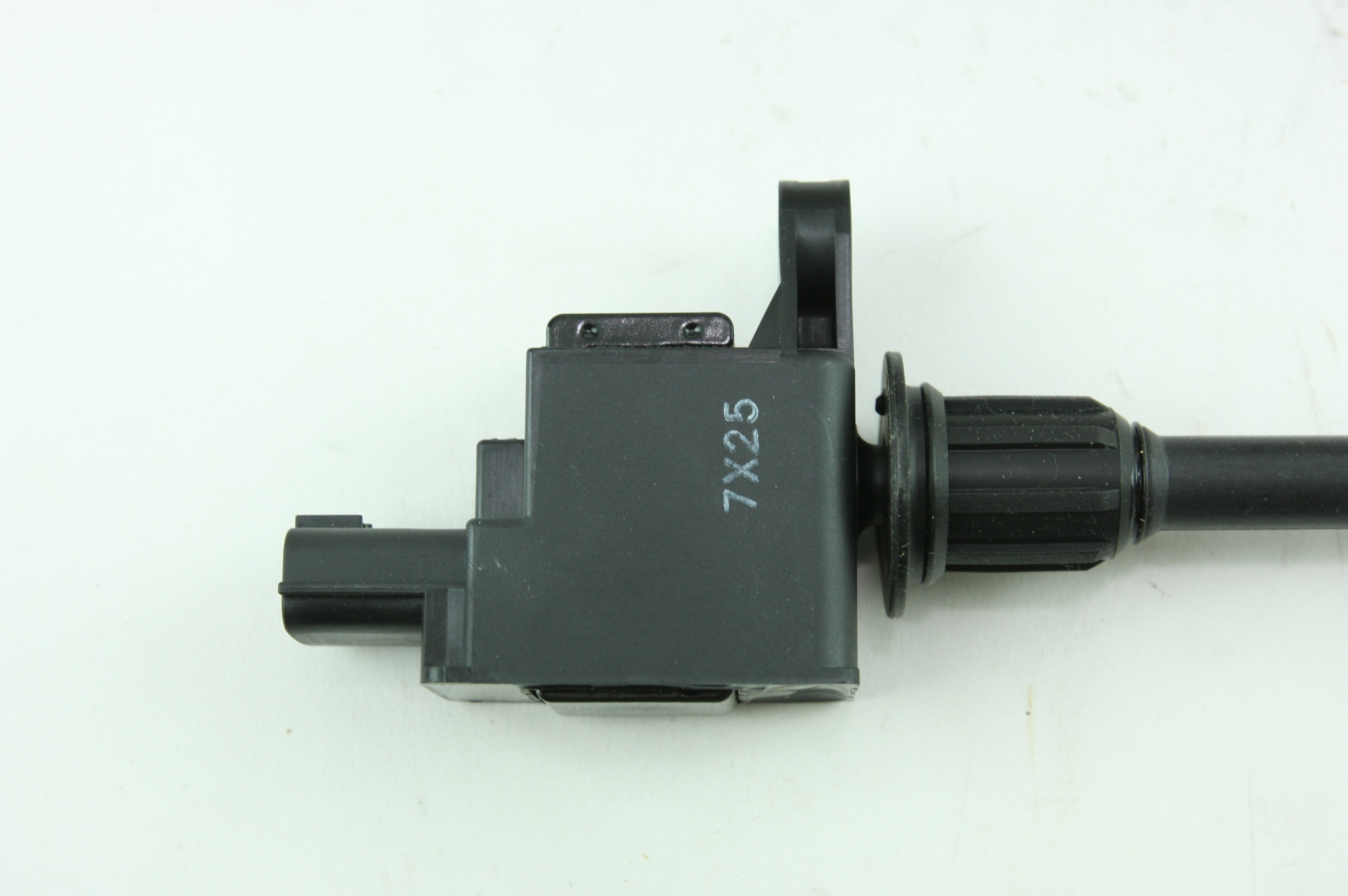 ** New Genuine OEM Nissan 224482Y000 Ignition Coil Fast Free Shipping - image 5