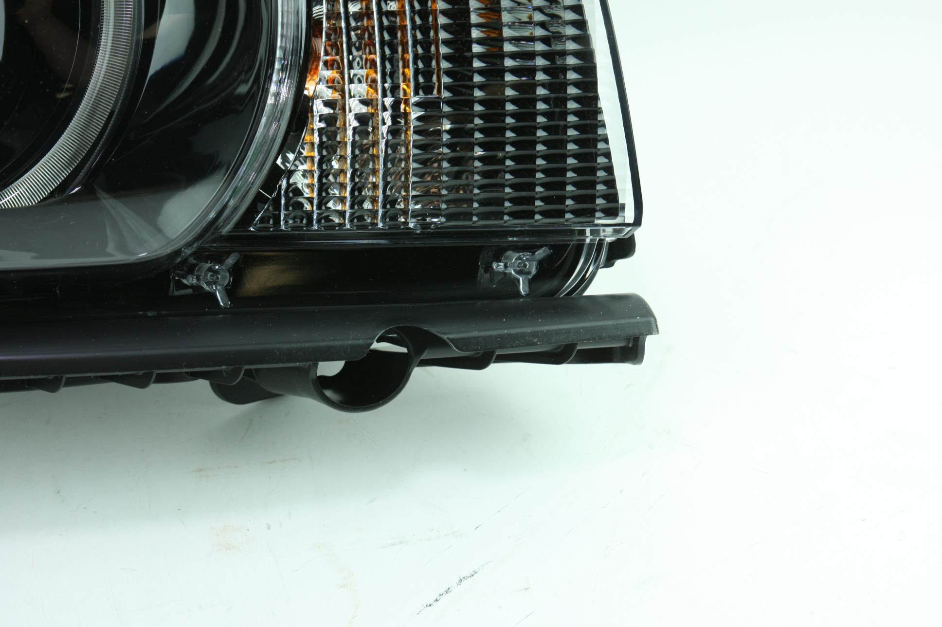 New Genuine OEM GM 22959920 Right Headlight Assembly 10-15 Chevy Camaro NIP - image 4