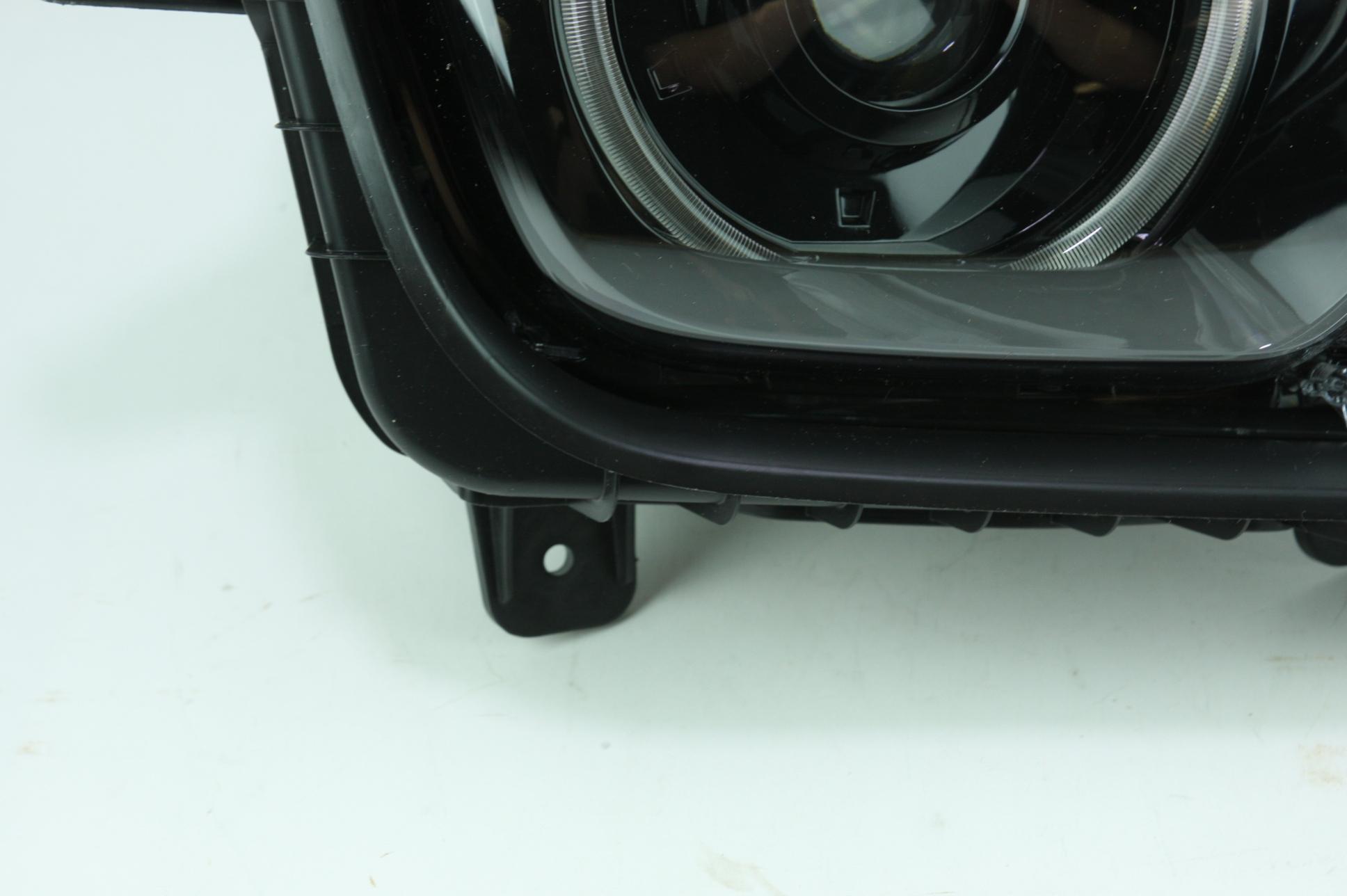 New Genuine OEM GM 22959920 Right Headlight Assembly 10-15 Chevy Camaro NIP - image 5