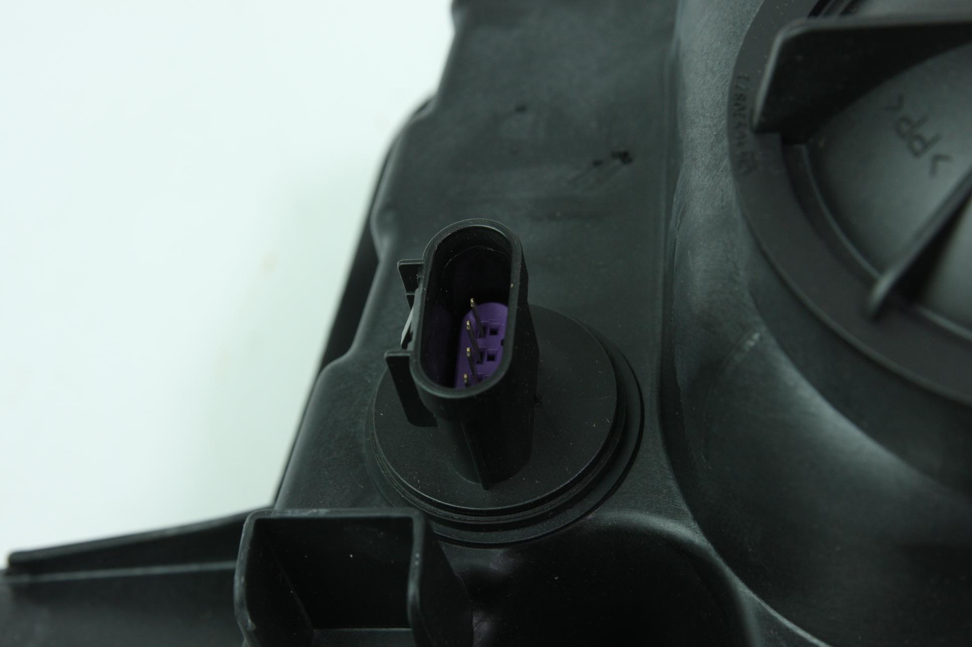 New Genuine OEM GM 22959920 Right Headlight Assembly 10-15 Chevy Camaro NIP - image 9