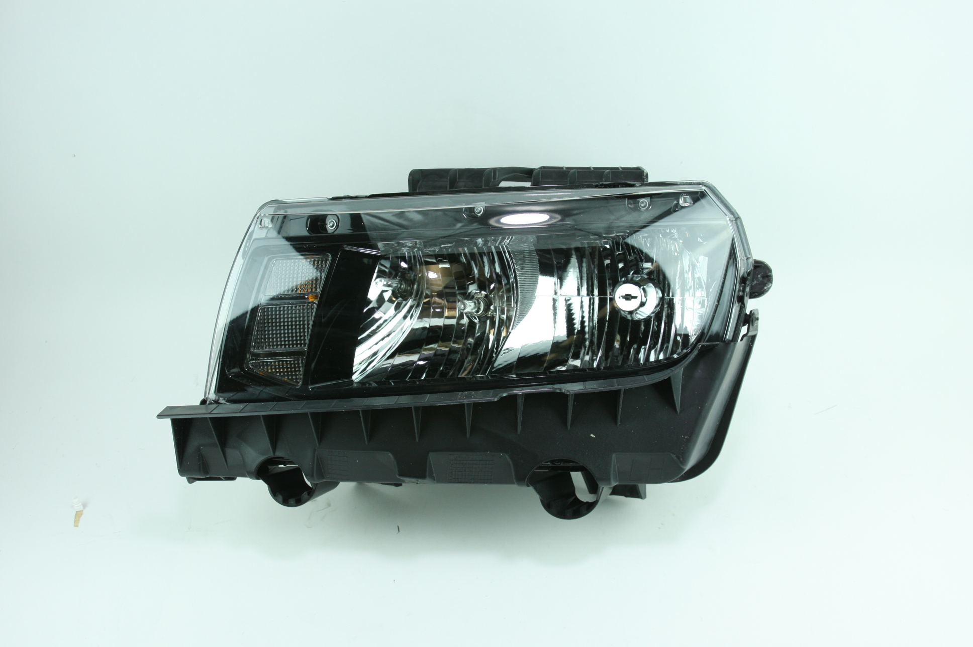 * New Genuine OEM 23266583 GM Chevrolet 14-15 Camaro Headlight No HID Headlamp - image 1