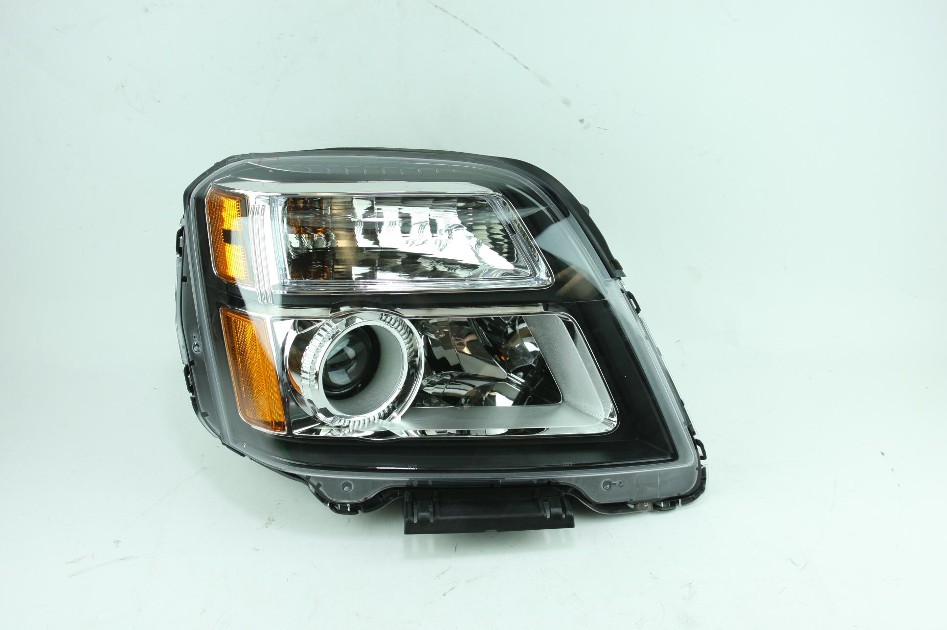 **** New OEM 23319182 Genuine GM 13-15 GMC Terrain RH Headlight Assembly - image 1