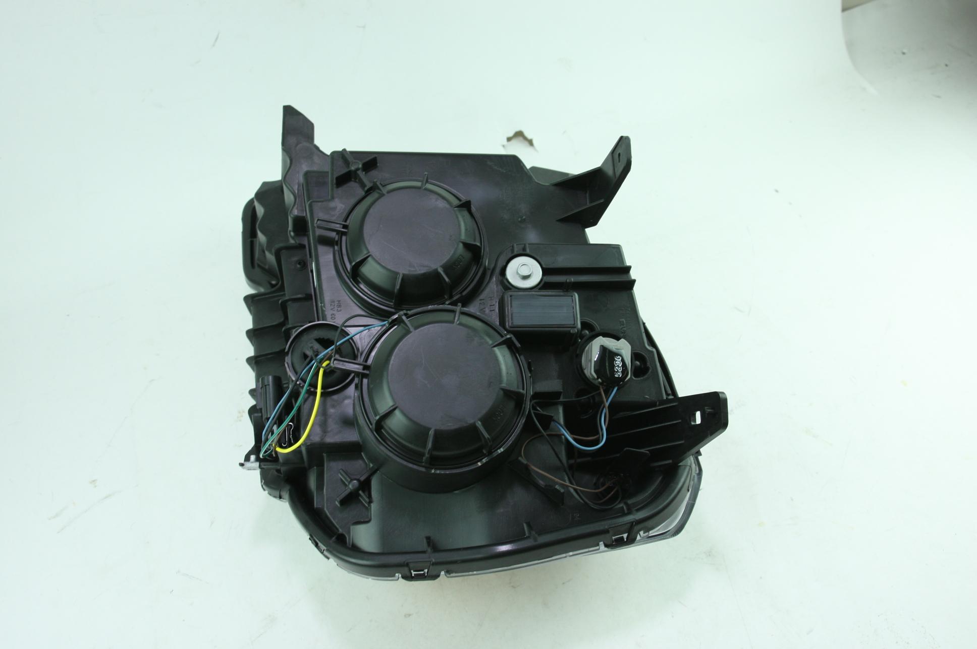 **** New OEM 23319182 Genuine GM 13-15 GMC Terrain RH Headlight Assembly - image 7