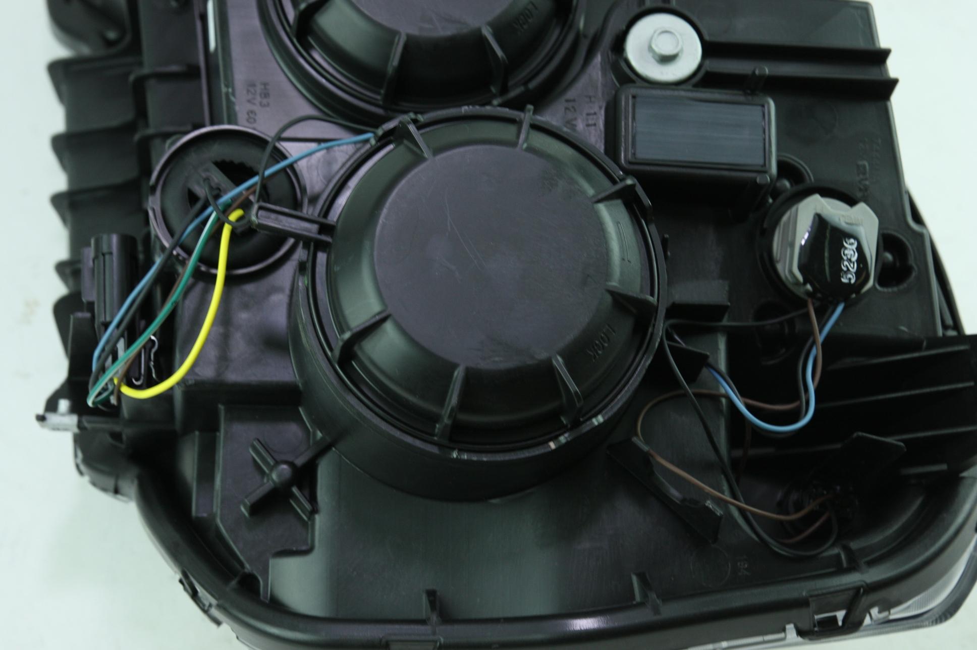 **** New OEM 23319182 Genuine GM 13-15 GMC Terrain RH Headlight Assembly - image 8
