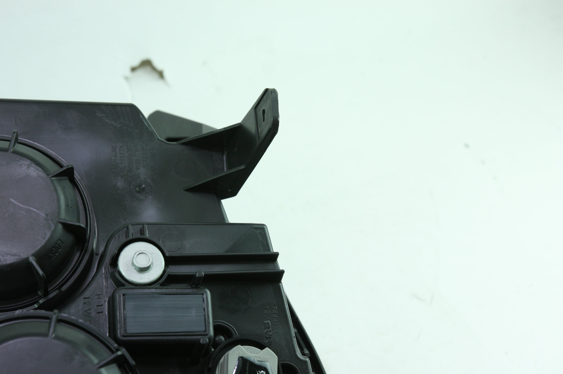 **** New OEM 23319182 Genuine GM 13-15 GMC Terrain RH Headlight Assembly - image 9