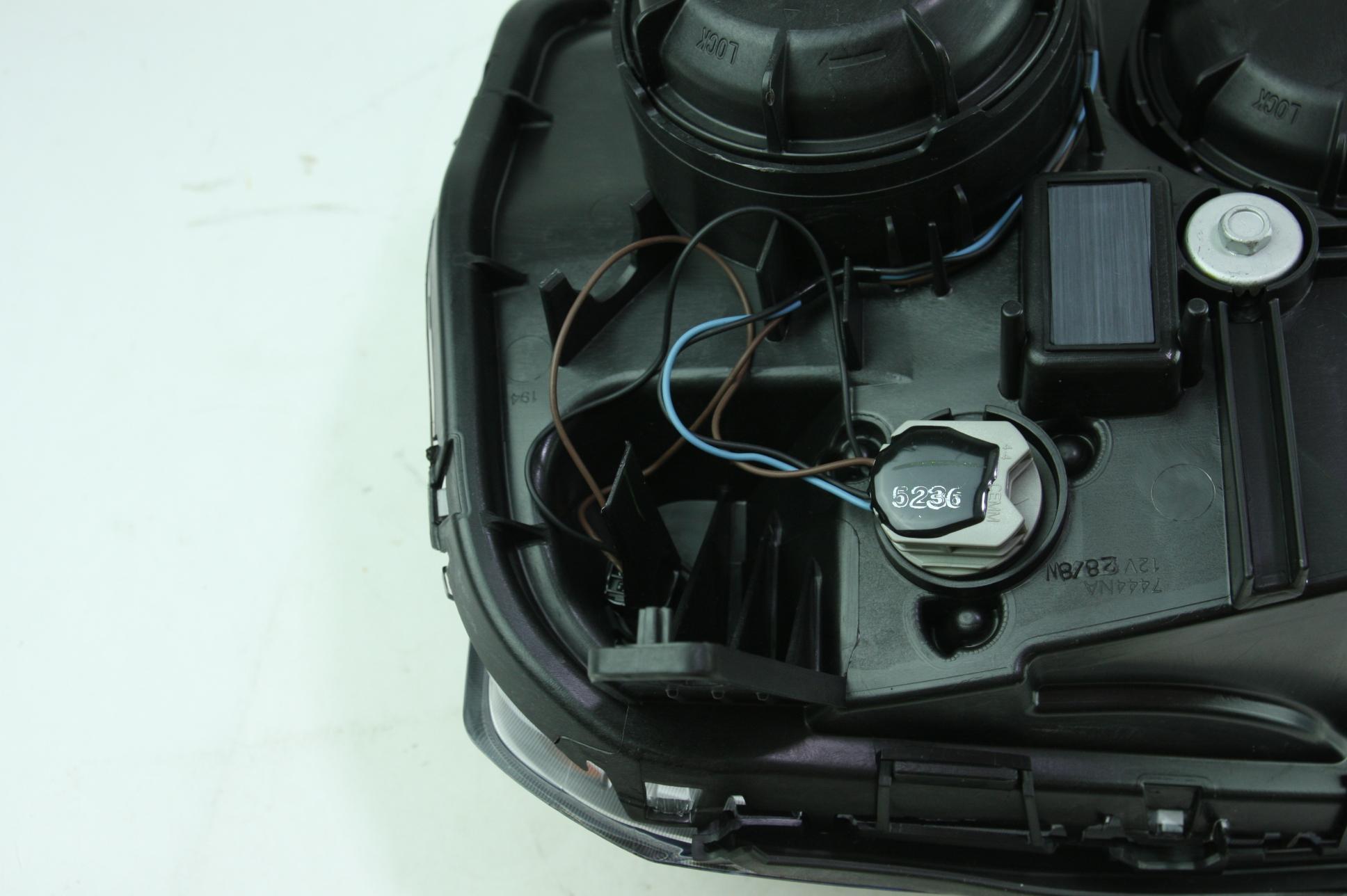 **** New OEM 23319182 Genuine GM 13-15 GMC Terrain RH Headlight Assembly - image 12