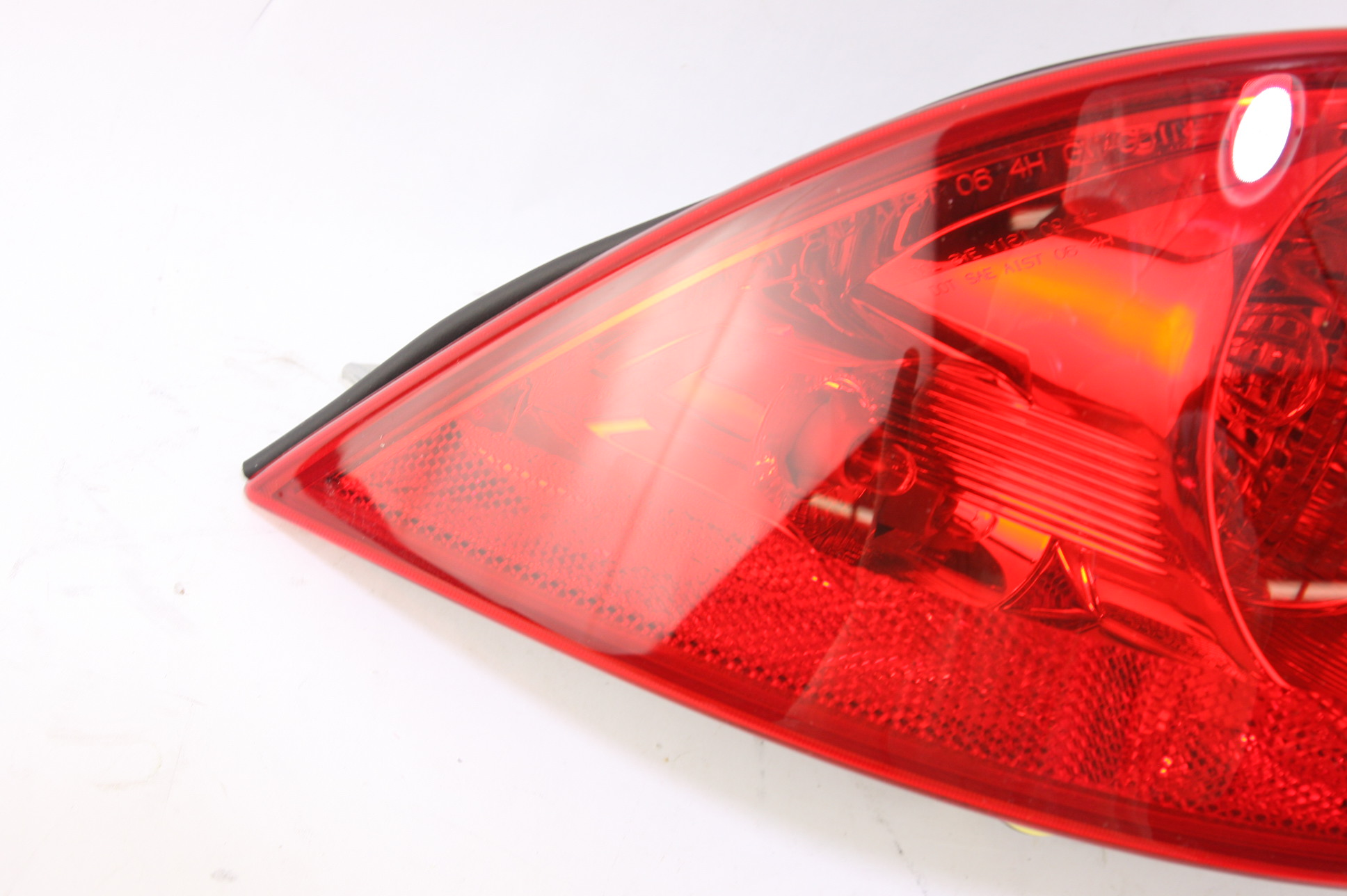 New GM OEM 25927355 06-11 Lucerne Tail Light Lamp Outer Driver Side LH NIP - image 4