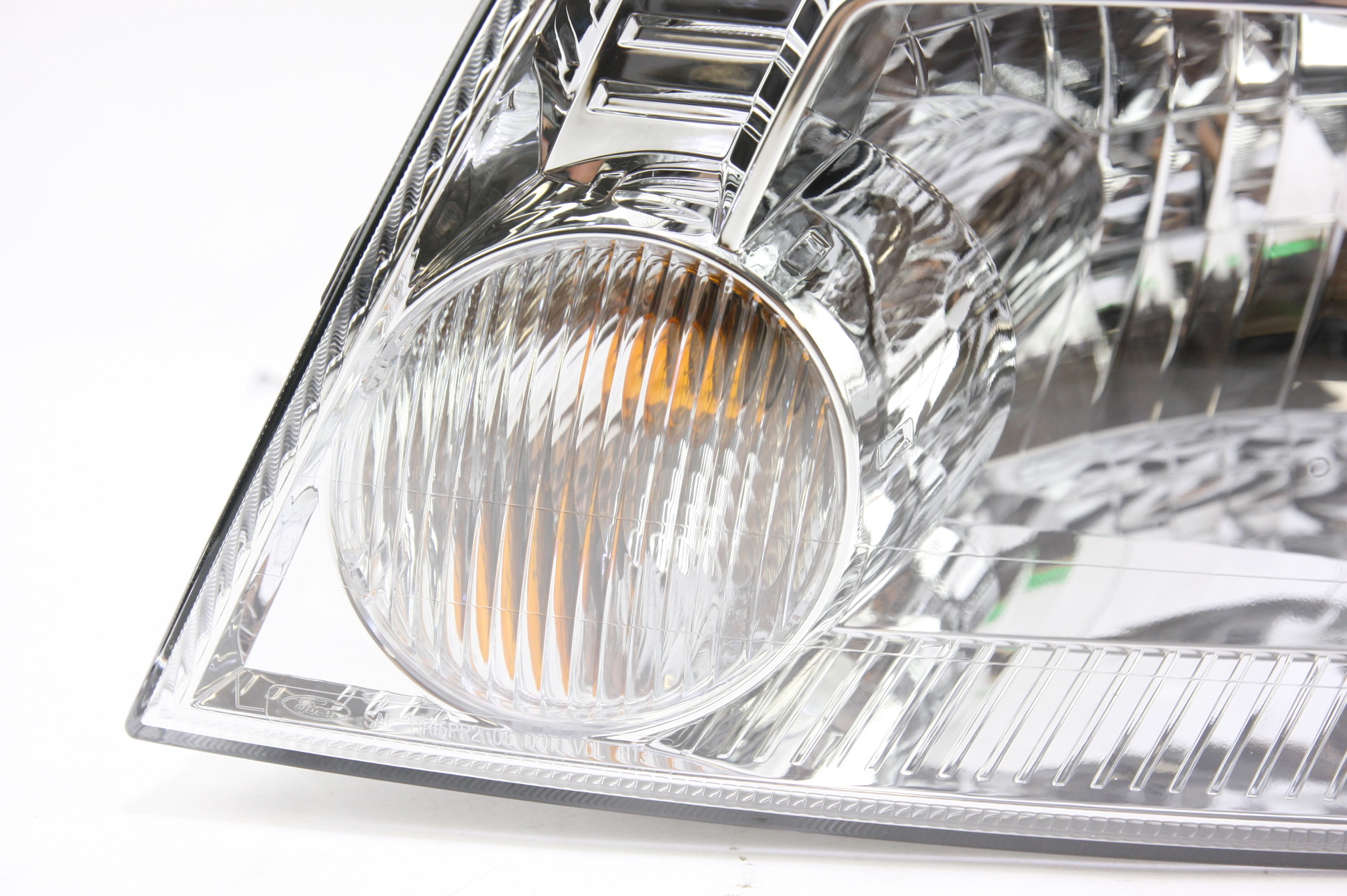 **** New OEM 5E6Z13008BA Mercury Mariner 05-07 LH Driver Side Headlight Headlamp - image 3