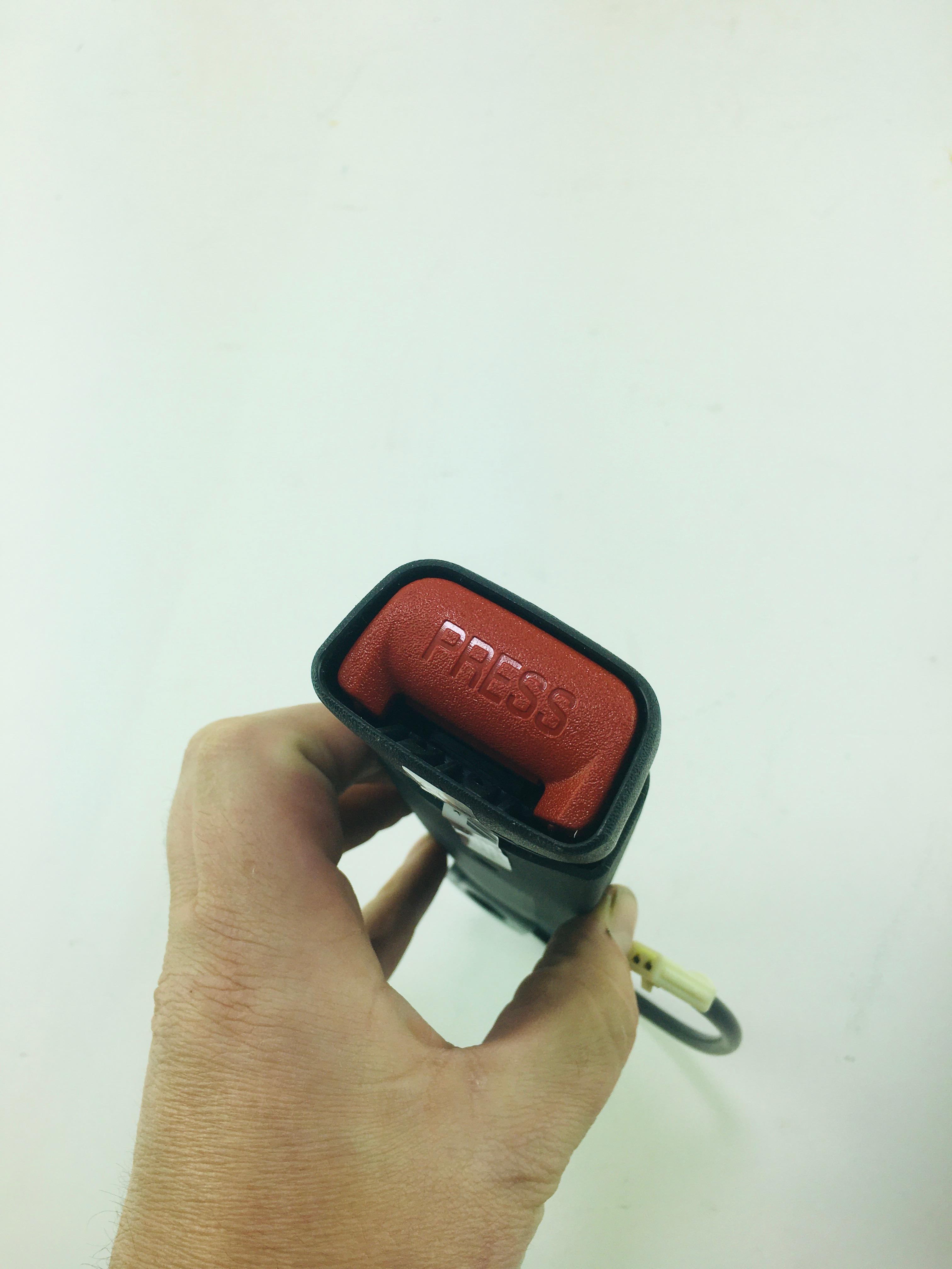 New OEM 5GT65LAZ-AD Mopar Driver Left Inner Seat Belt Dodge Ram 2500 3500 - image 2