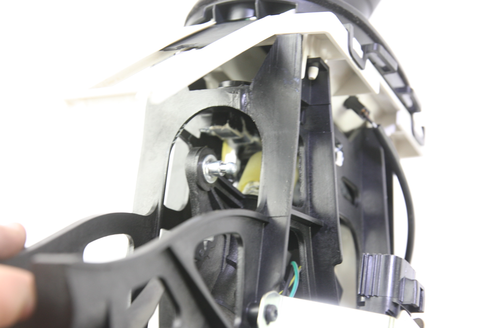 *New OEM 5M6Z7210C Ford 05-07 Escape Transmission Gear Shifter Housing Assy - image 8