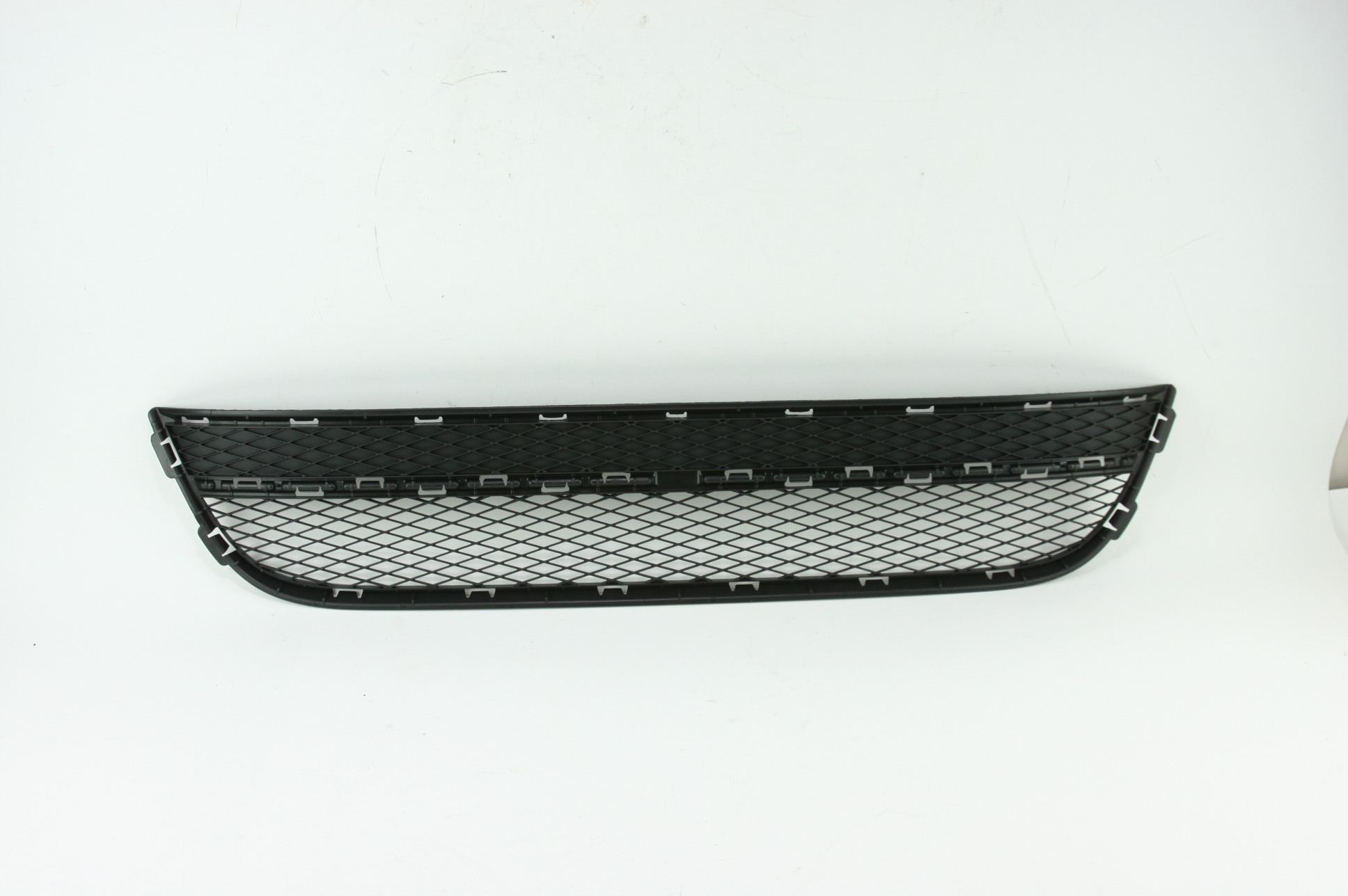 New OEM 5N08536779B9 Volkswagen VW Tiguan Front Bumper Lower Bottom Grille Grill - image 1