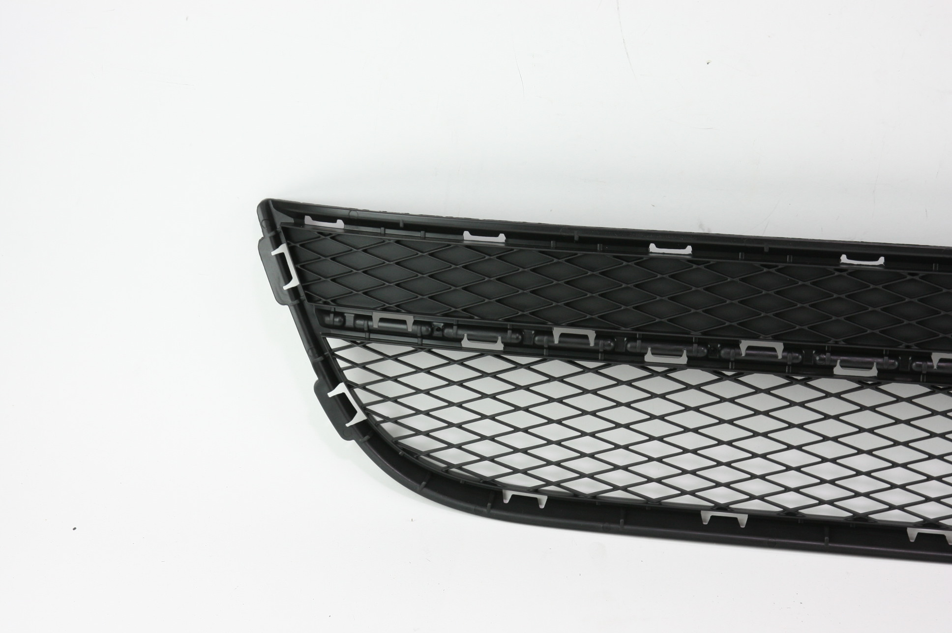 New OEM 5N08536779B9 Volkswagen VW Tiguan Front Bumper Lower Bottom Grille Grill - image 3