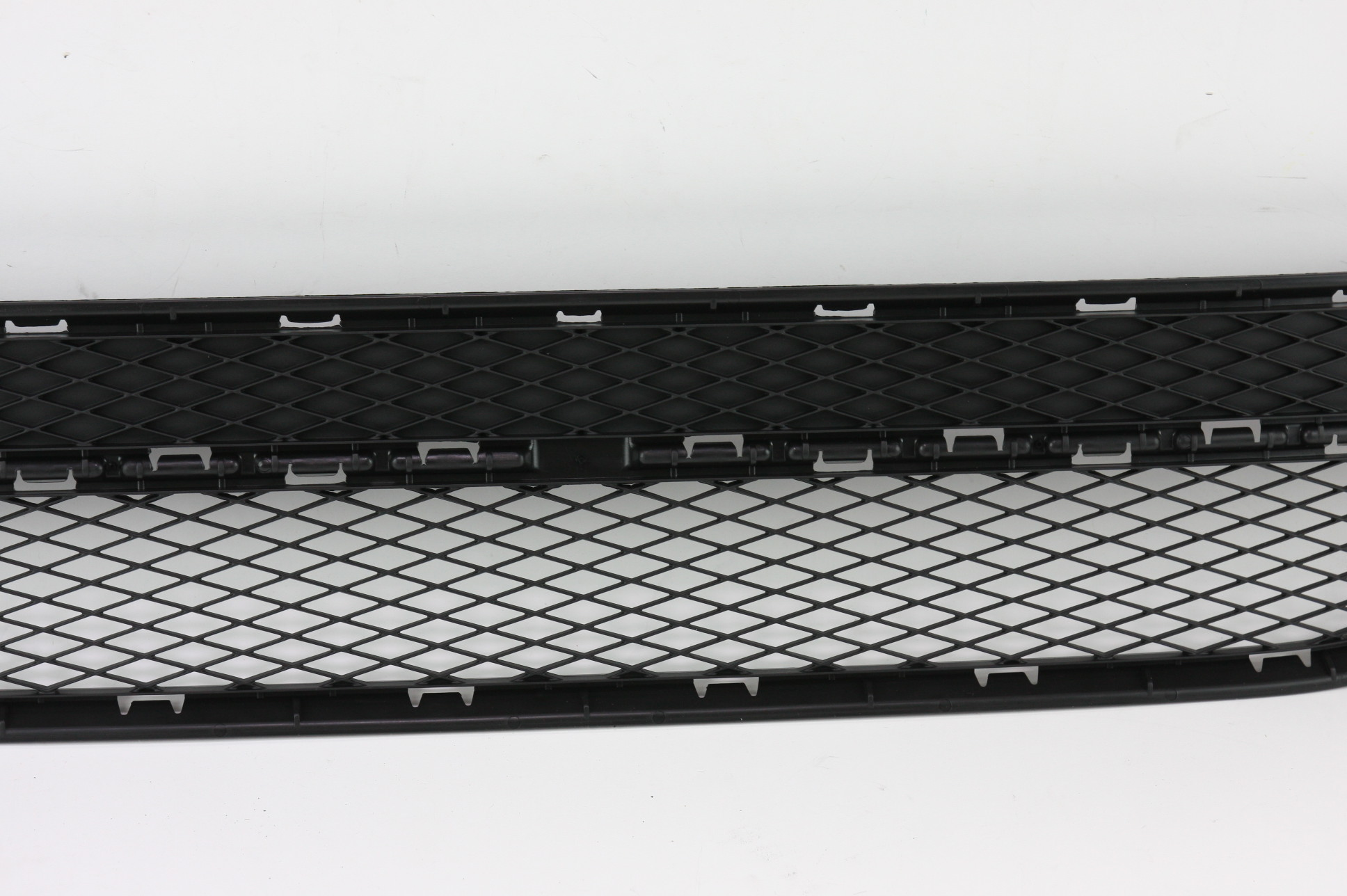 New OEM 5N08536779B9 Volkswagen VW Tiguan Front Bumper Lower Bottom Grille Grill - image 4