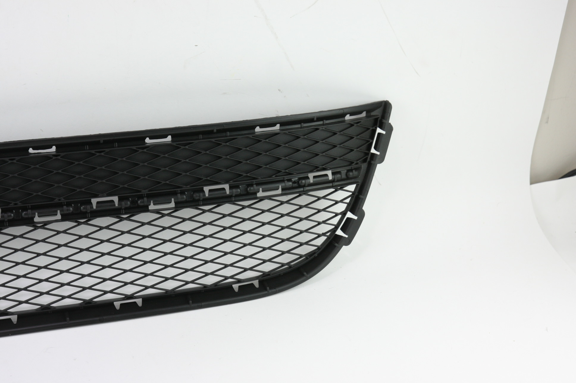 New OEM 5N08536779B9 Volkswagen VW Tiguan Front Bumper Lower Bottom Grille Grill - image 5