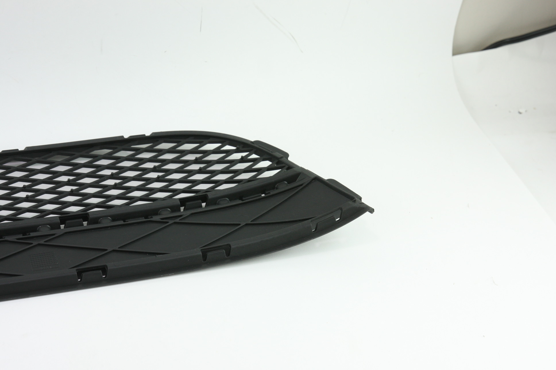 New OEM 5N08536779B9 Volkswagen VW Tiguan Front Bumper Lower Bottom Grille Grill - image 9