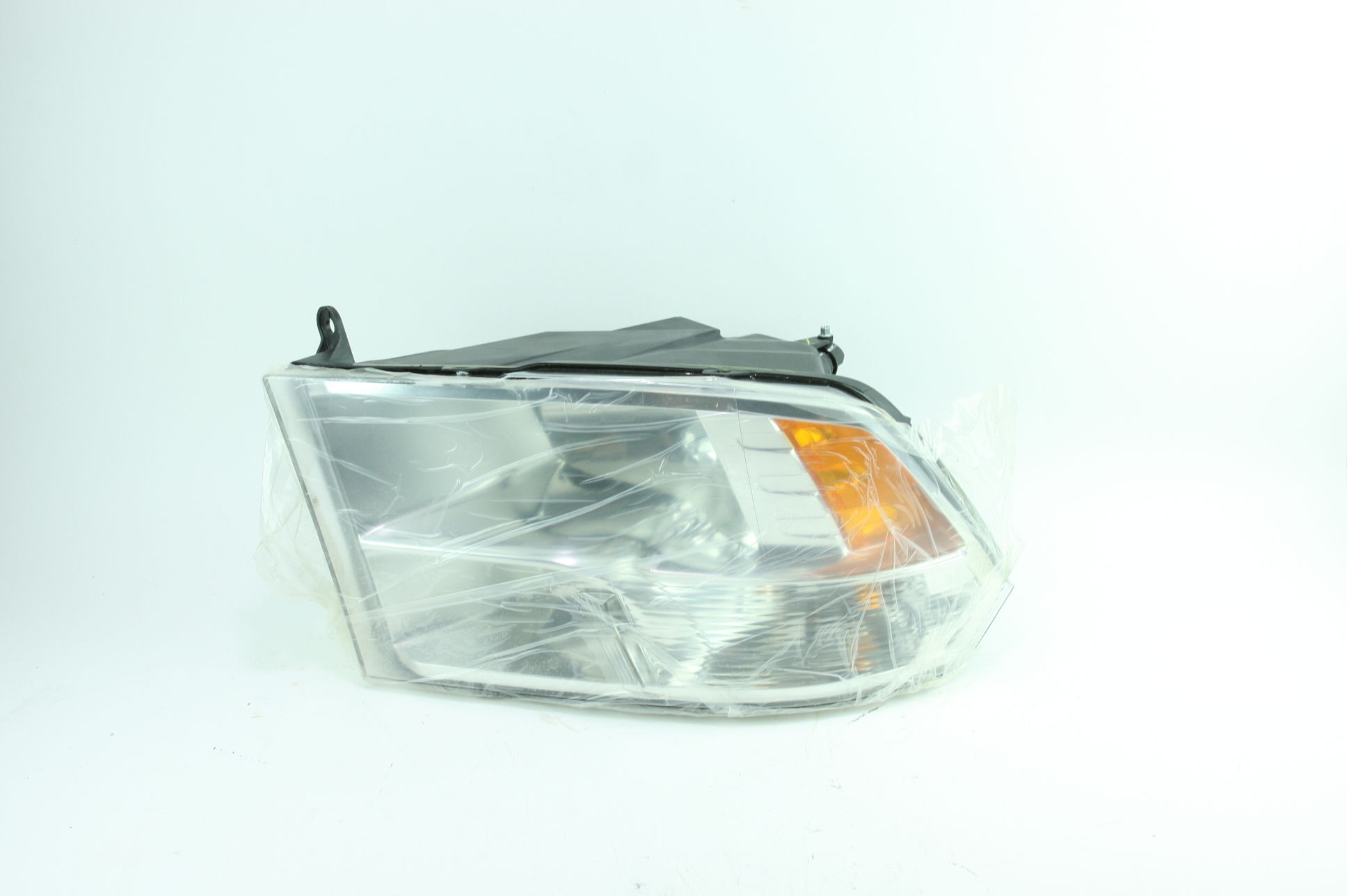 * New OEM 68096439AF Genuine Mopar Composite Headlamp 13-18 Dodge Ram - image 1