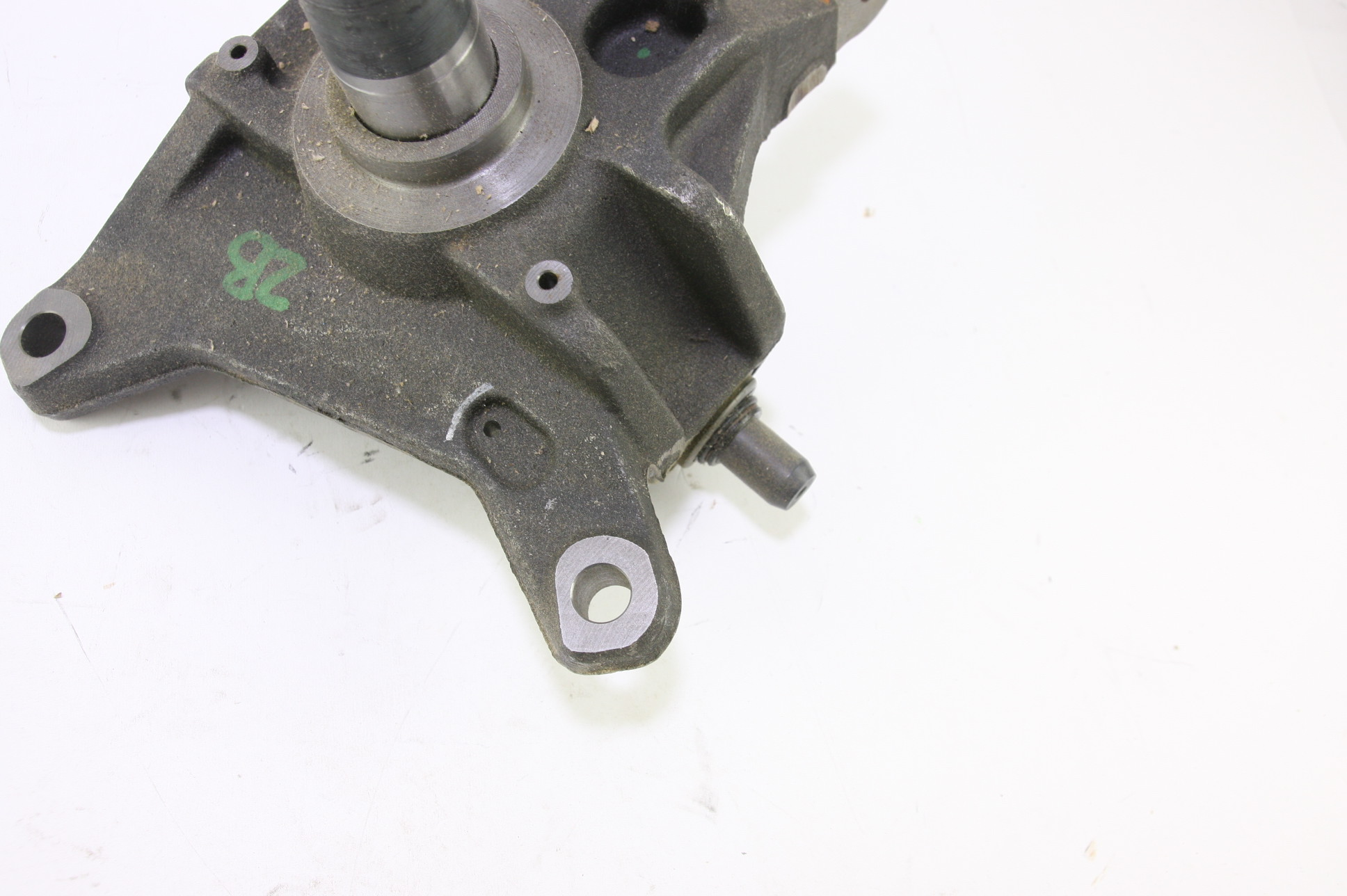 *New OEM 6C3Z3106B Ford 05-07 F-350 Super Duty Front Steering Knuckle Spindle - image 6