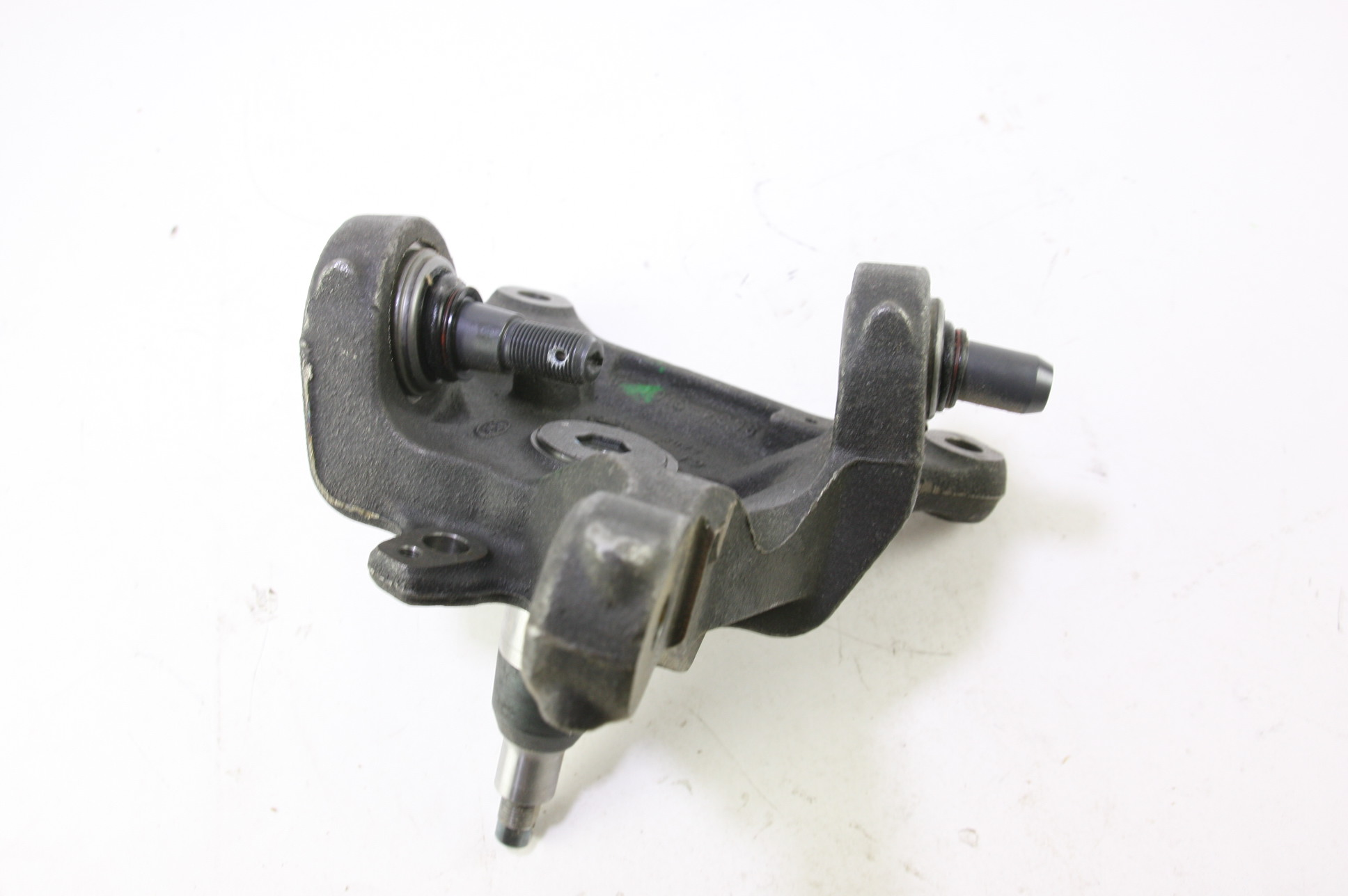 *New OEM 6C3Z3106B Ford 05-07 F-350 Super Duty Front Steering Knuckle Spindle - image 8