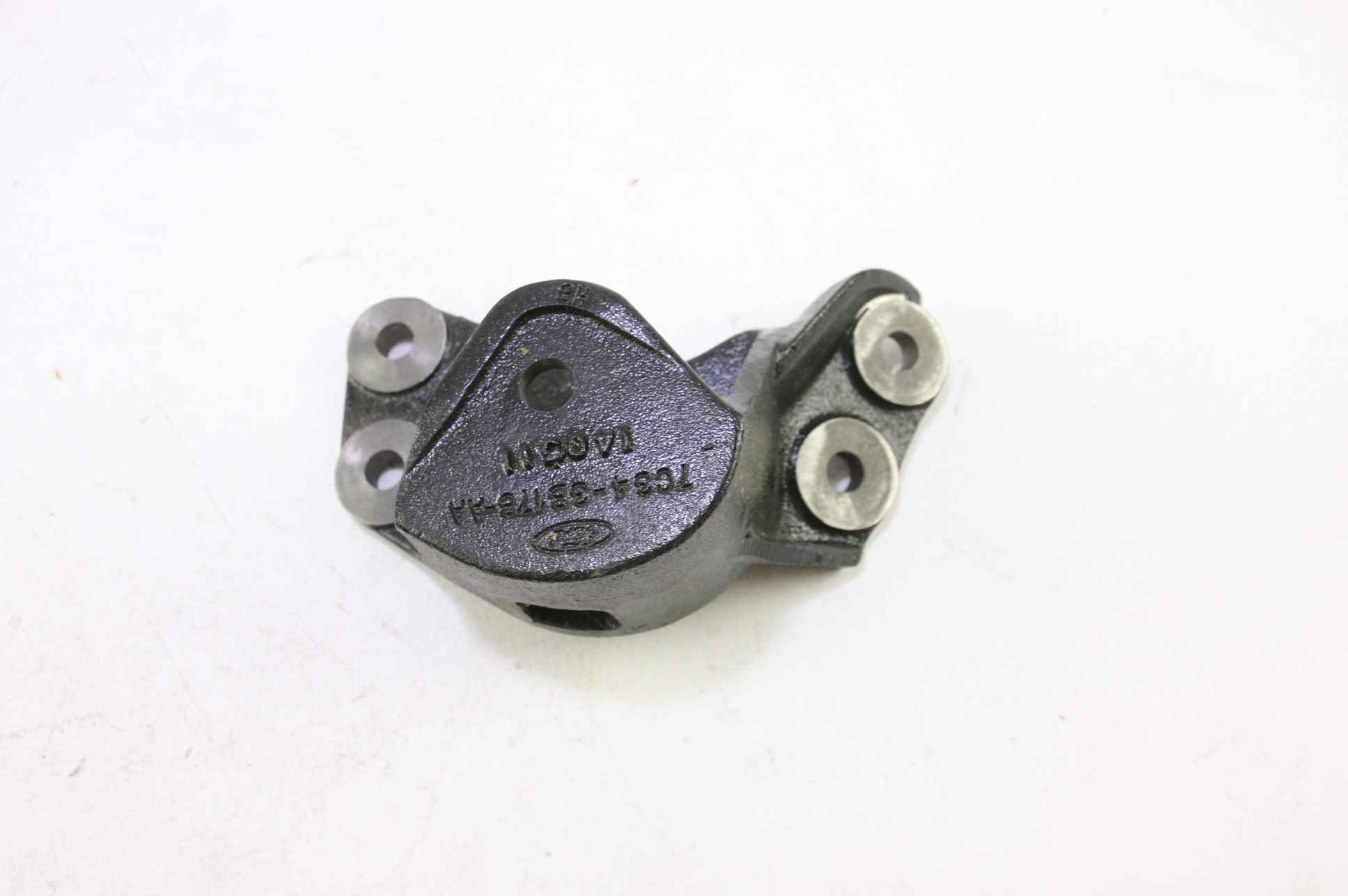 ~ New OEM 7C3Z3B178A Ford Front Suspension Axle Beam Pivot Bracket Right - image 3