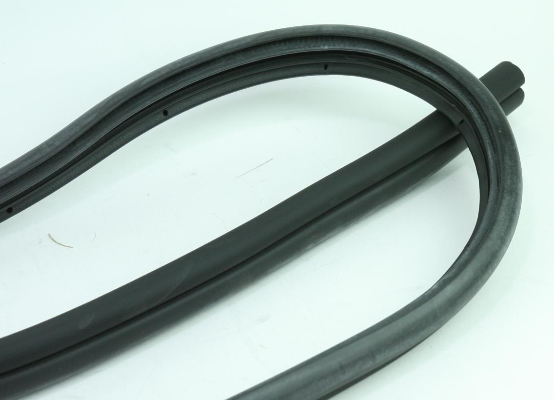 *** New OEM 821102H001CH Hyundai 09-12 Elantra Front Door Weatherstrip Seal Left - image 6