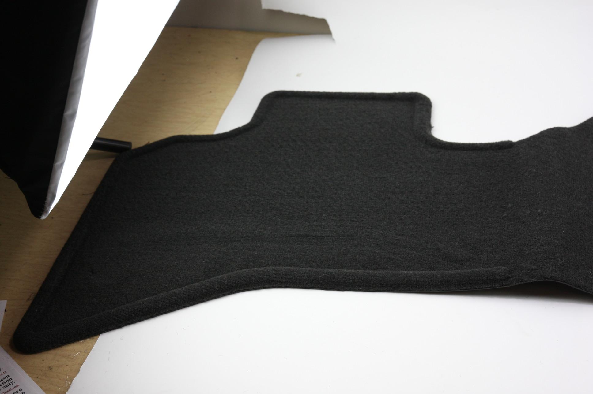 *** New OEM 82207050 02-05 Dodge Ram w/ Logo Premium Rear Carpet Floor Mat - image 3