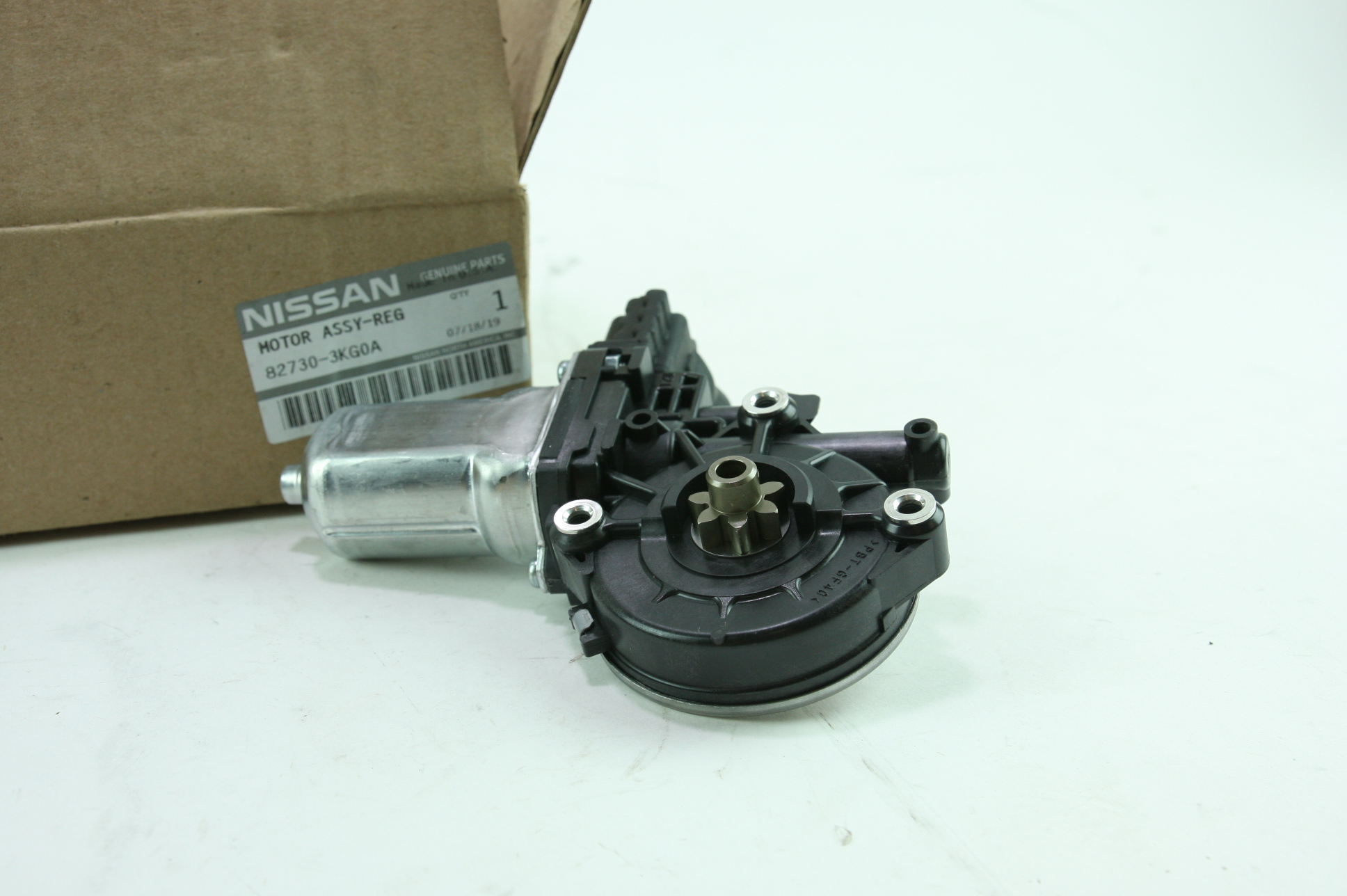 * Genuine Nissan 82730-3KG0A Infiniti Window Motor New OEM Fast Free Shipping - image 1