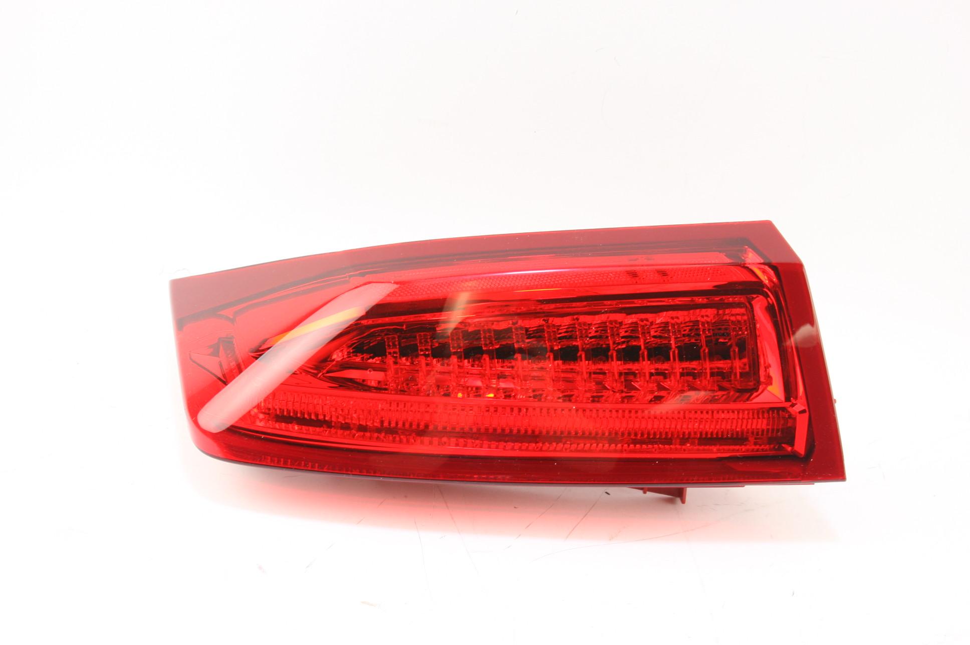 New OEM 84081570 Genuine GM 13-18 Cadillac ATS Sedan Tail Light Passenger Side - image 1