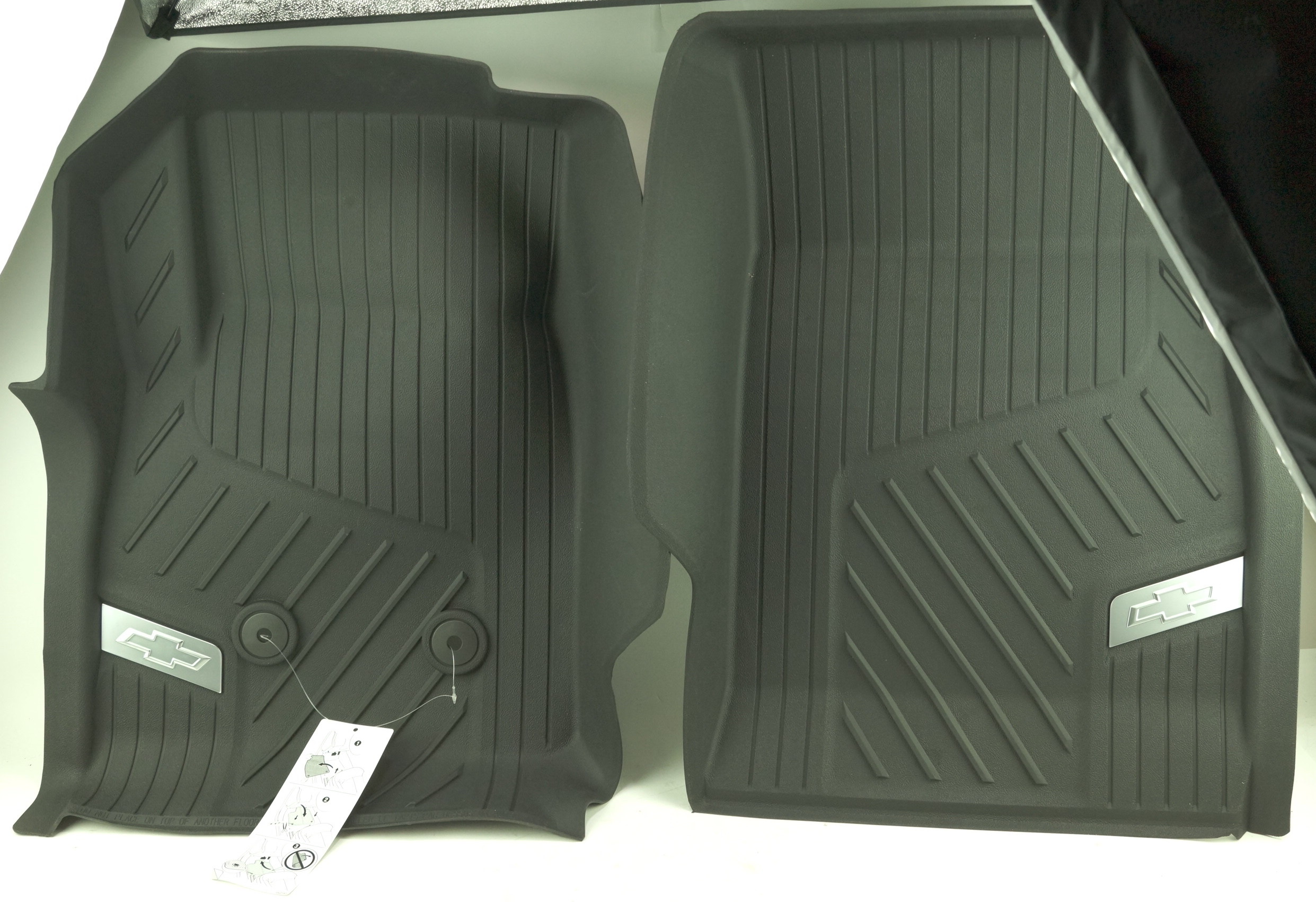 New OEM 84370633 GM 15-21 Colorado Front All Weather Floor Liners Black w/Bowtie - image 1