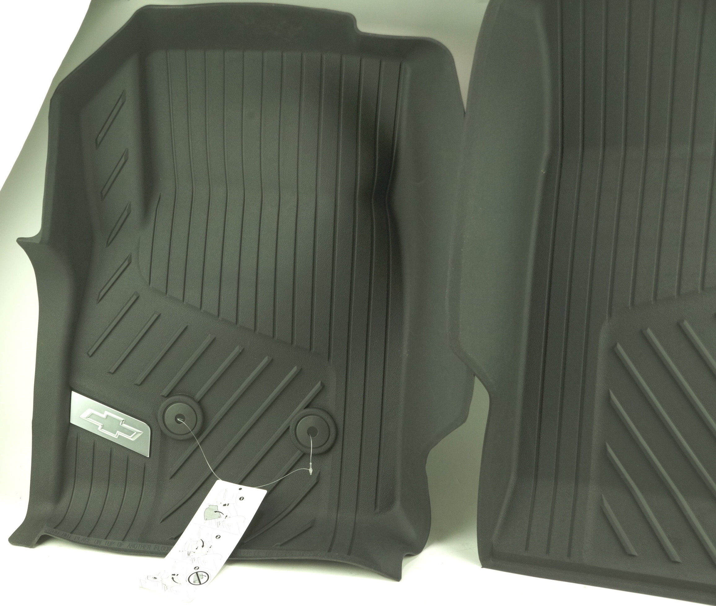 New OEM 84370633 GM 15-21 Colorado Front All Weather Floor Liners Black w/Bowtie - image 2