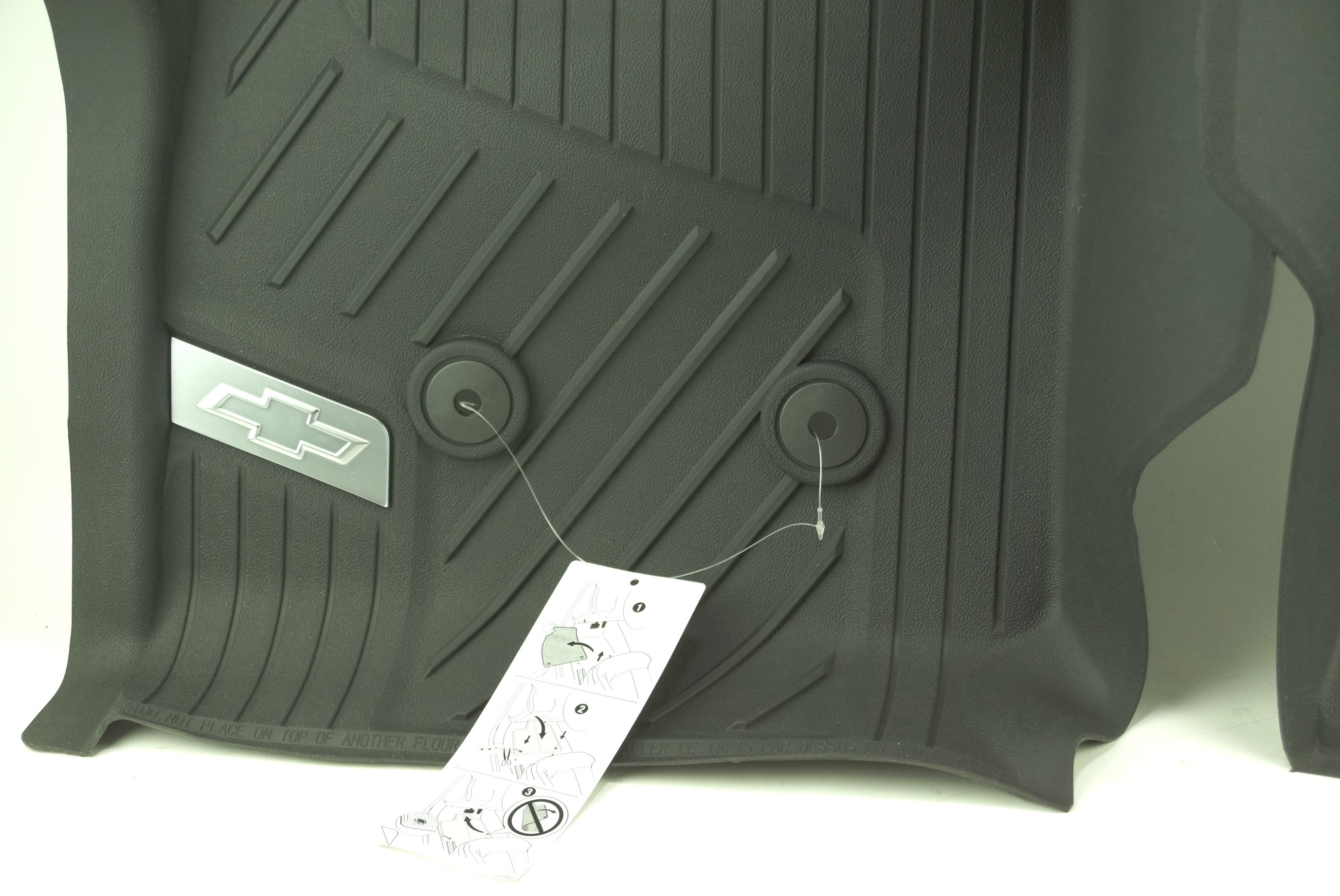 New OEM 84370633 GM 15-21 Colorado Front All Weather Floor Liners Black w/Bowtie - image 4