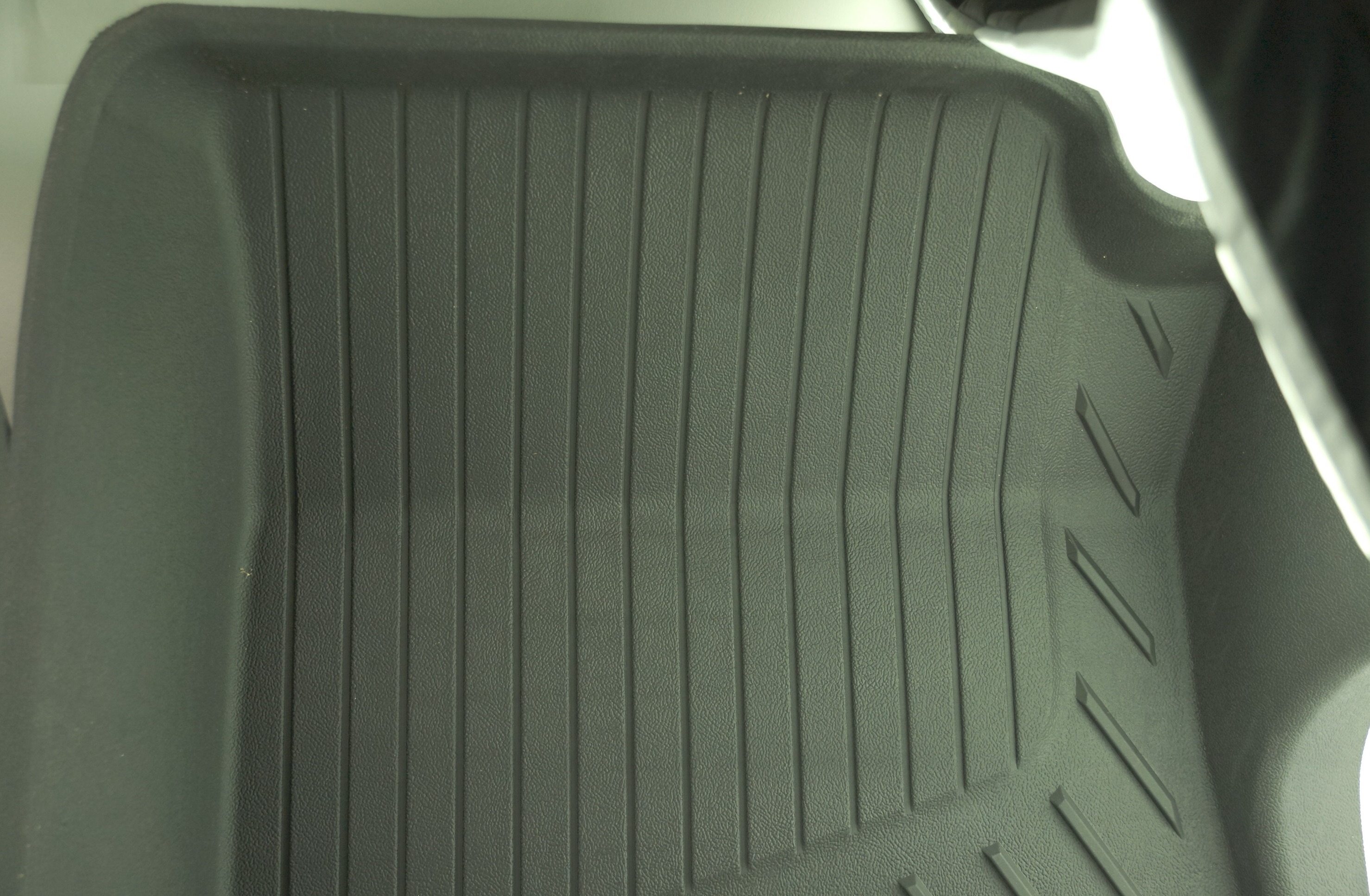 New OEM 84370633 GM 15-21 Colorado Front All Weather Floor Liners Black w/Bowtie - image 7