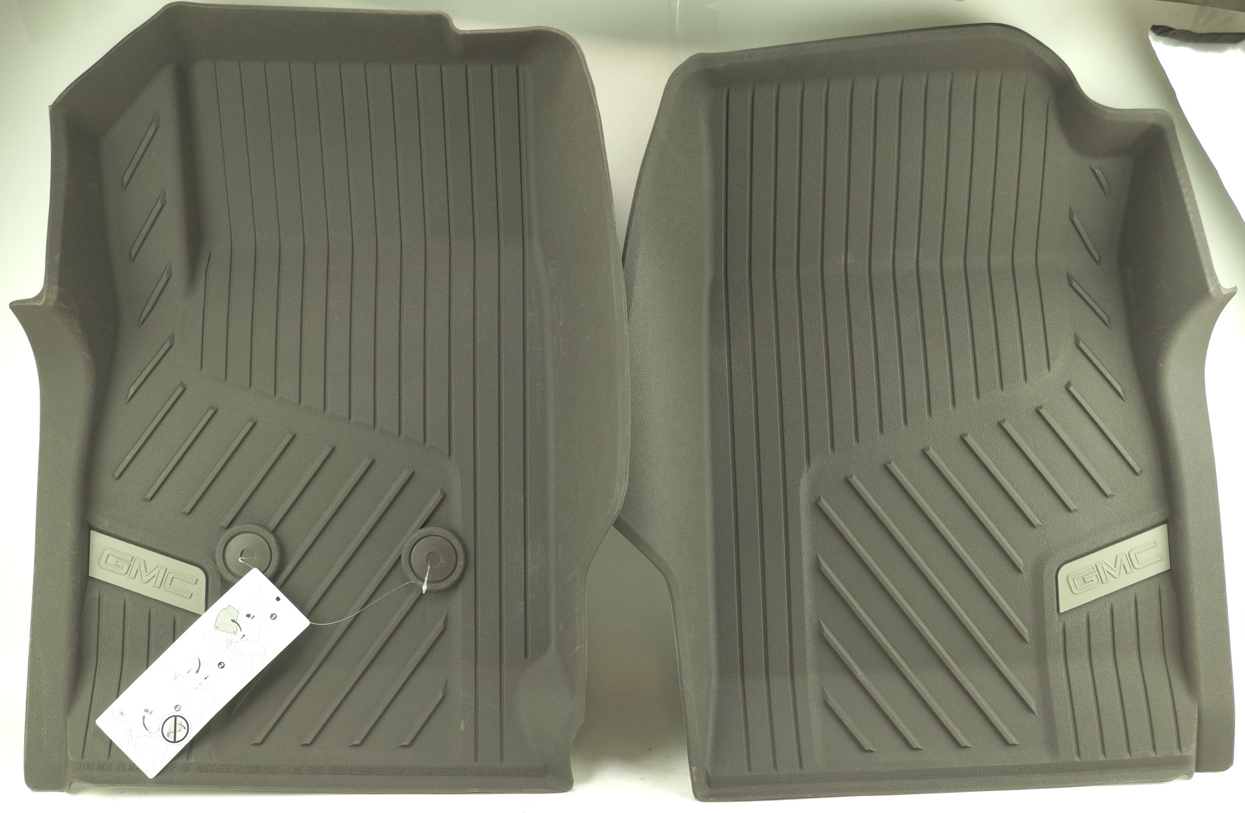 New OEM 84370641 Genuine GM Front Floor Liners All-Weather 15-20 GMC Canyon - image 1