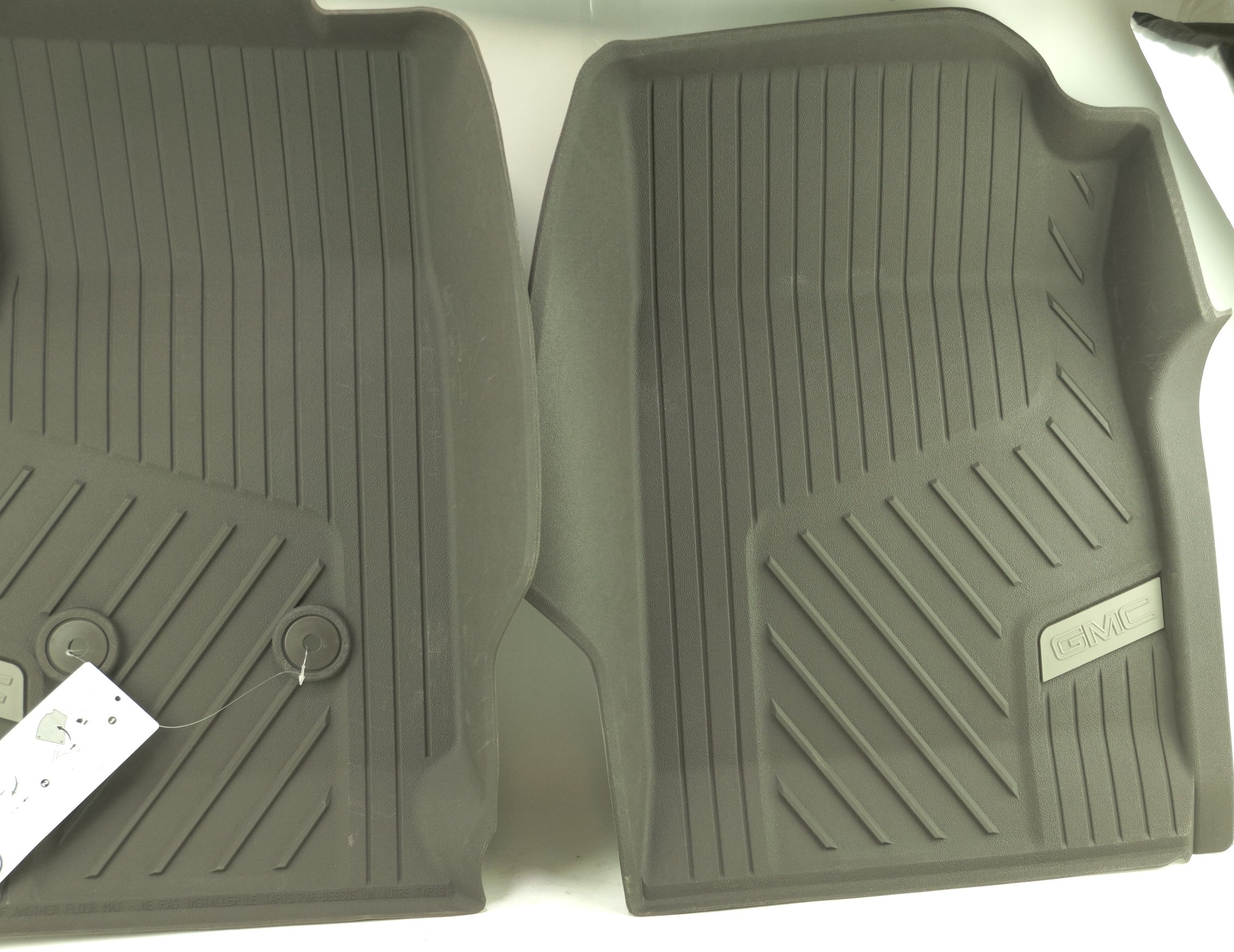 New OEM 84370641 Genuine GM Front Floor Liners All-Weather 15-20 GMC Canyon - image 2