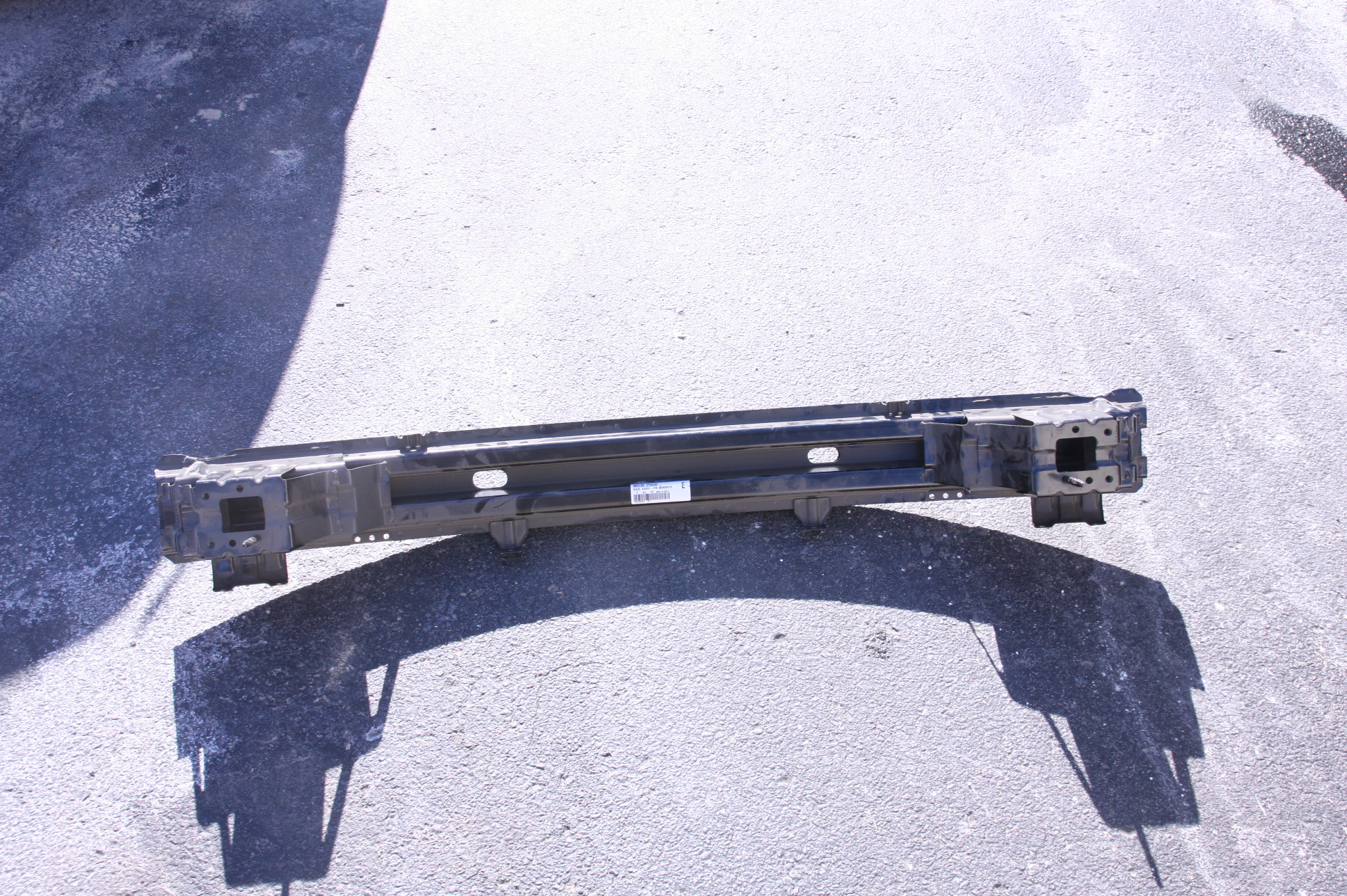 ~New OEM Hyundai 8653025650 Bumper Face Bar Reinforcement Free Shipping - image 1