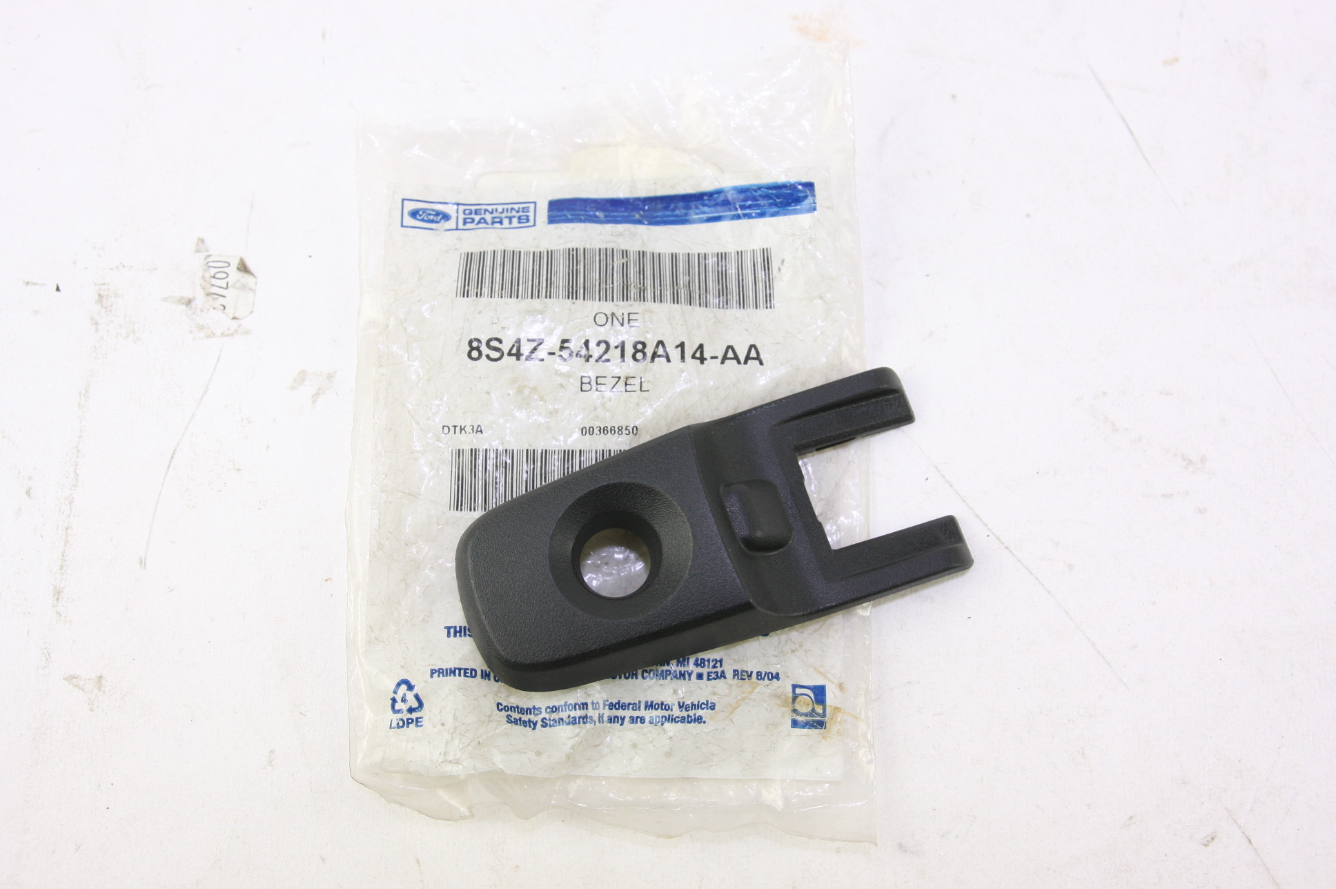 *~New OEM 8S4Z54218A14AA Ford 08-11 Focus Front Door Handle Outside Bezel Left - image 1