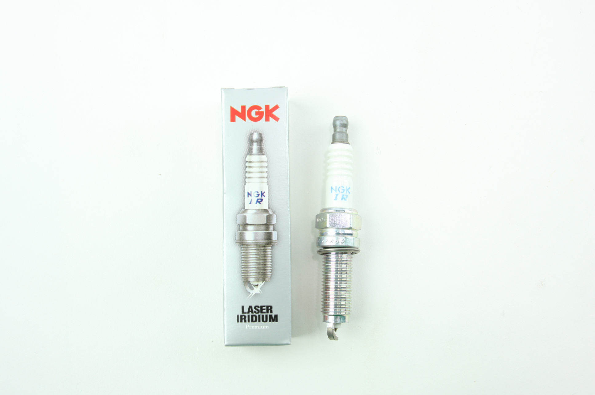 Set of 4 NGK 95710 Laser Iridium Spark Plugs DILZKR7B11GS New fits Honda Acura - image 4