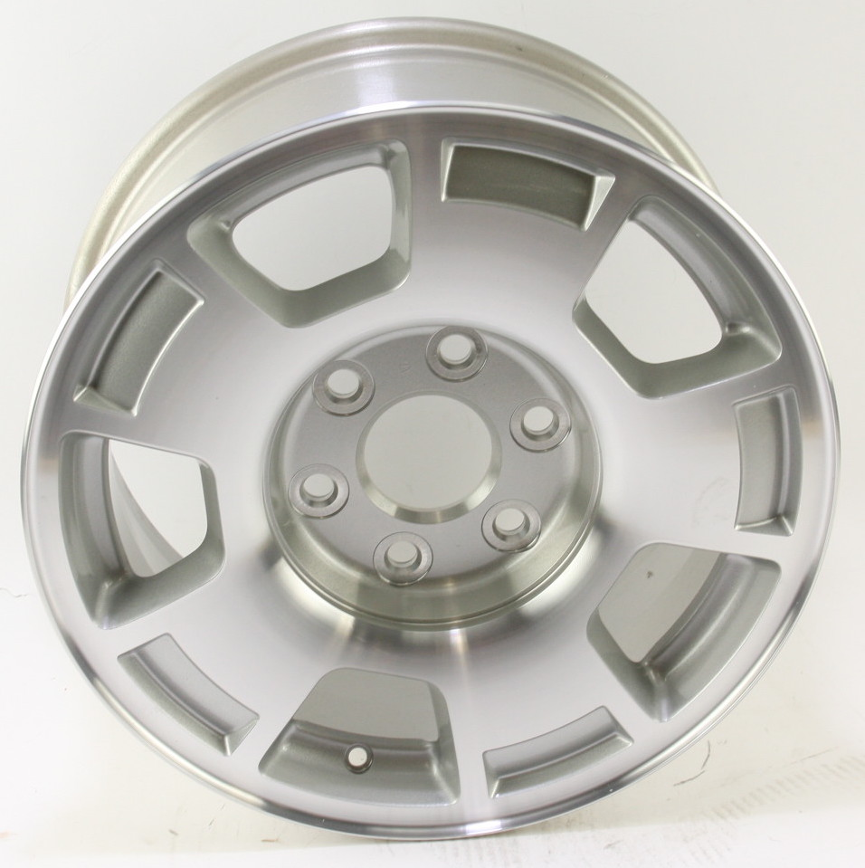 "* New OEM 9596050 Genuine GM Avalanche Silverado Suburban 17"" Wheel Alloy Rim - image 1"