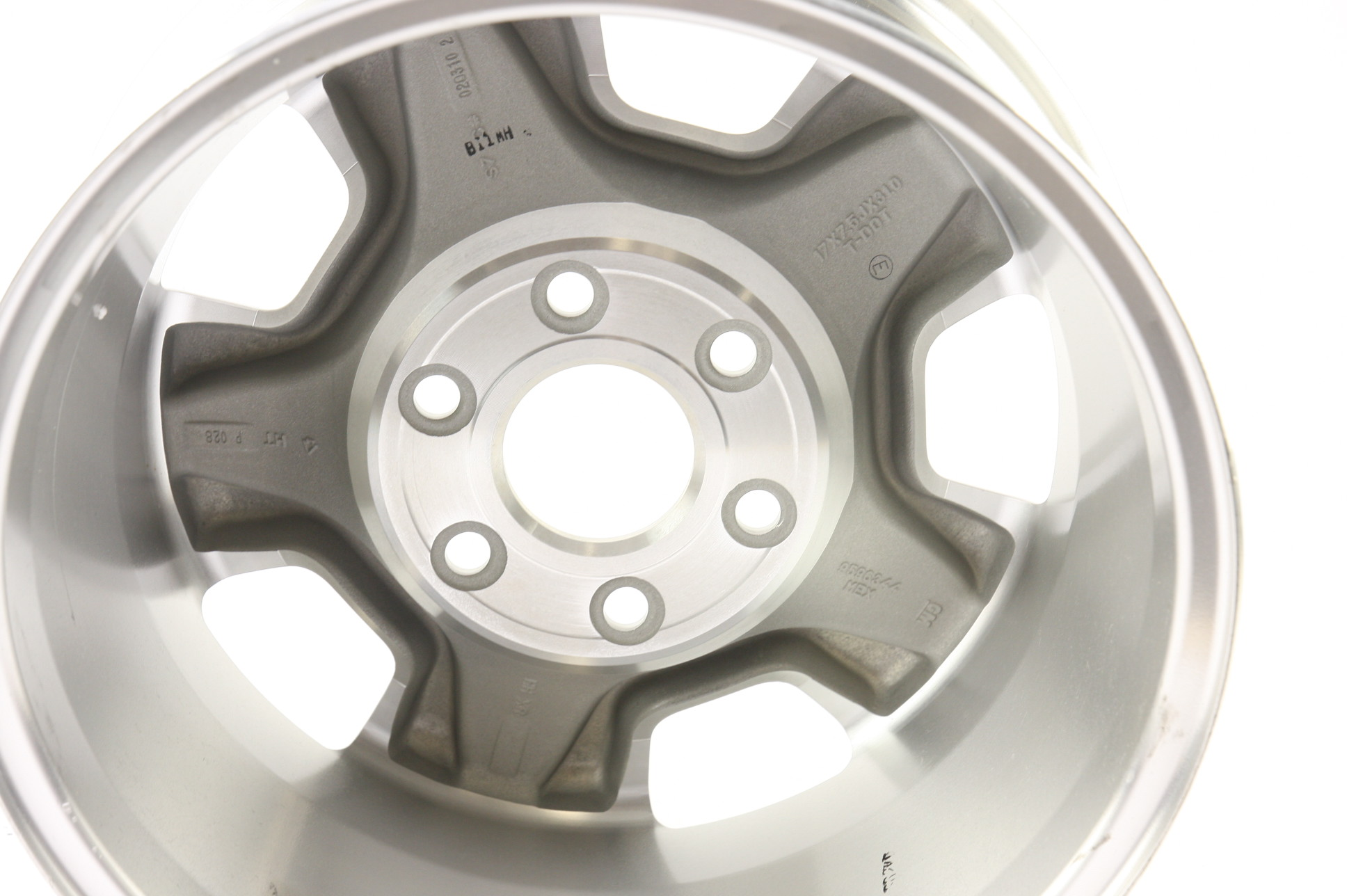 "* New OEM 9596050 Genuine GM Avalanche Silverado Suburban 17"" Wheel Alloy Rim - image 9"