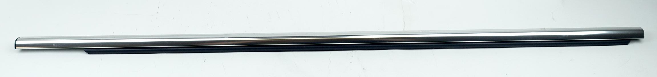 New OEM 95980302 GM Front Door Window Sweep Belt Molding Weatherstrip Left - image 1