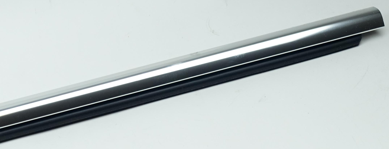New OEM 95980302 GM Front Door Window Sweep Belt Molding Weatherstrip Left - image 9