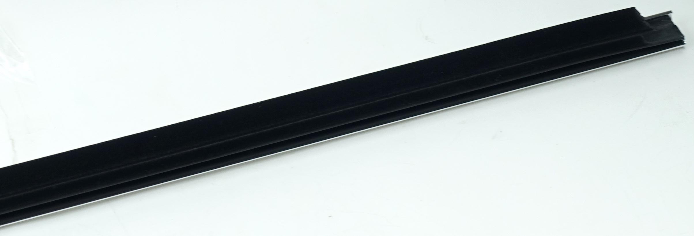 New OEM 95980302 GM Front Door Window Sweep Belt Molding Weatherstrip Left - image 11
