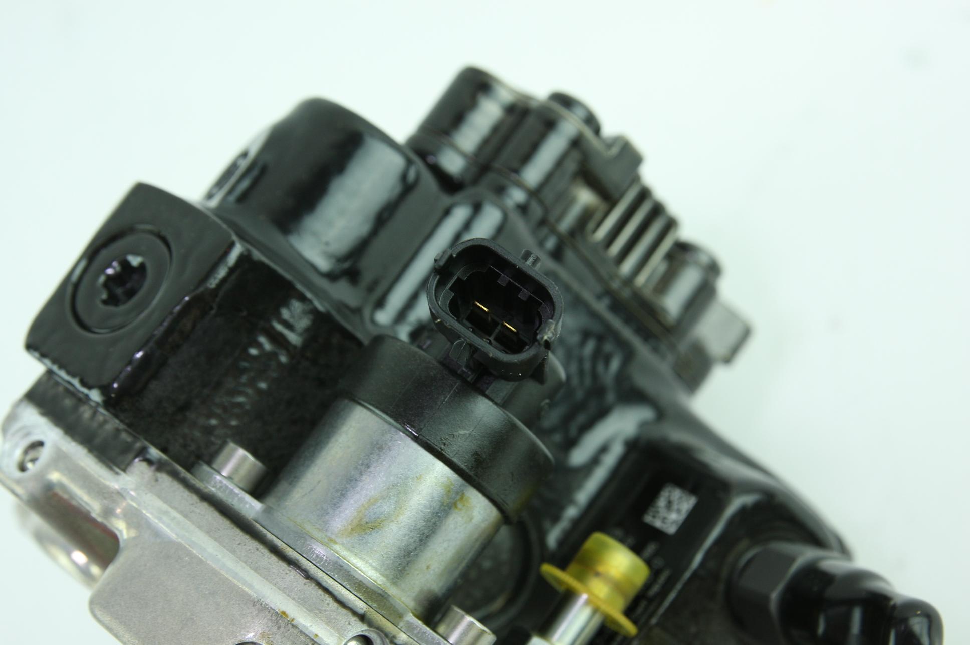 New Genuine OEM GM 97780161 Reman Injection Pump w/ Regulator 06-10 Duramax 6.6 - image 4