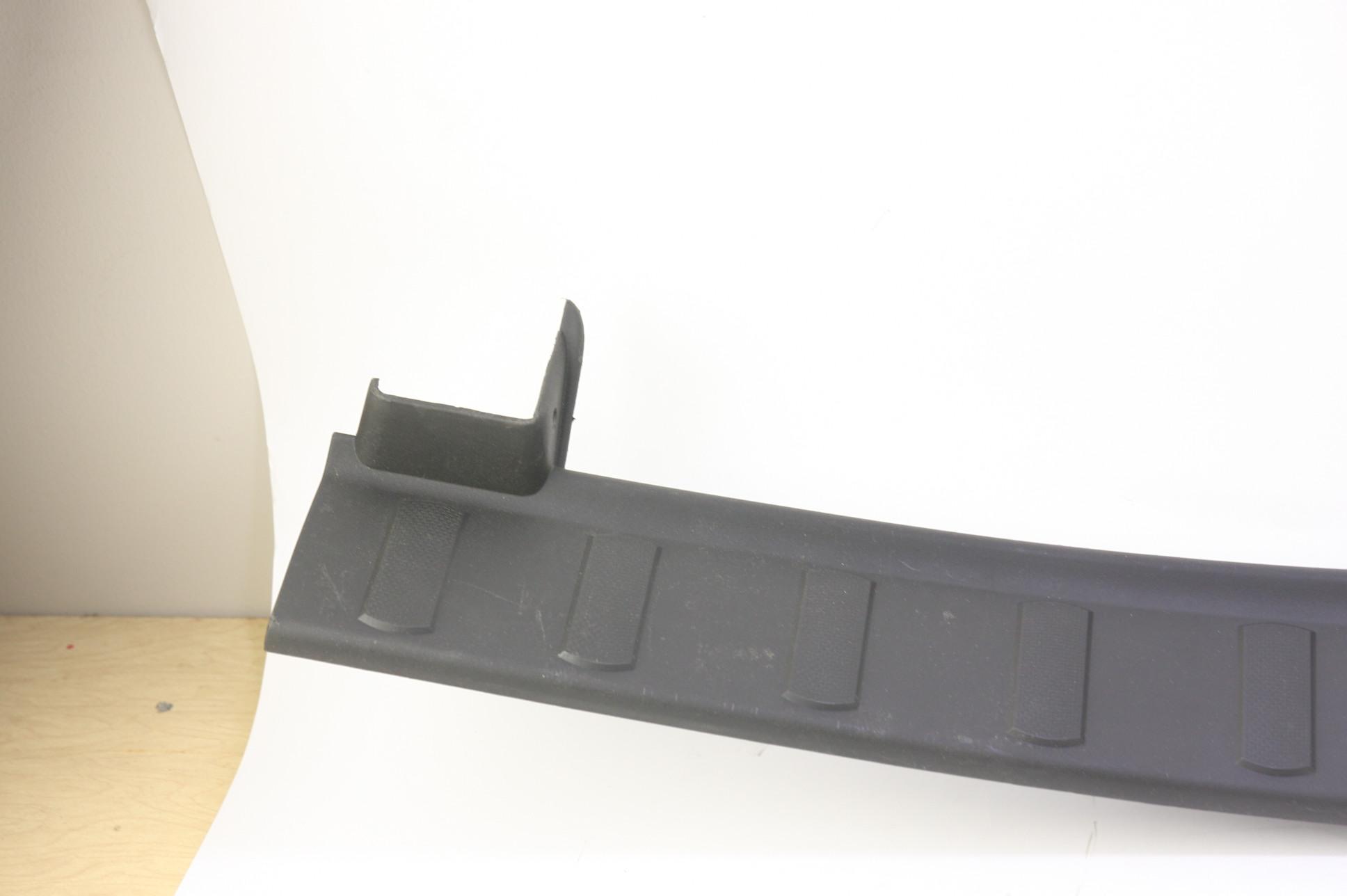 ~ New OEM 9C3Z2813208CA Ford 08-16 F-350 Super Duty Door Sill Scuff Plate RH - image 4