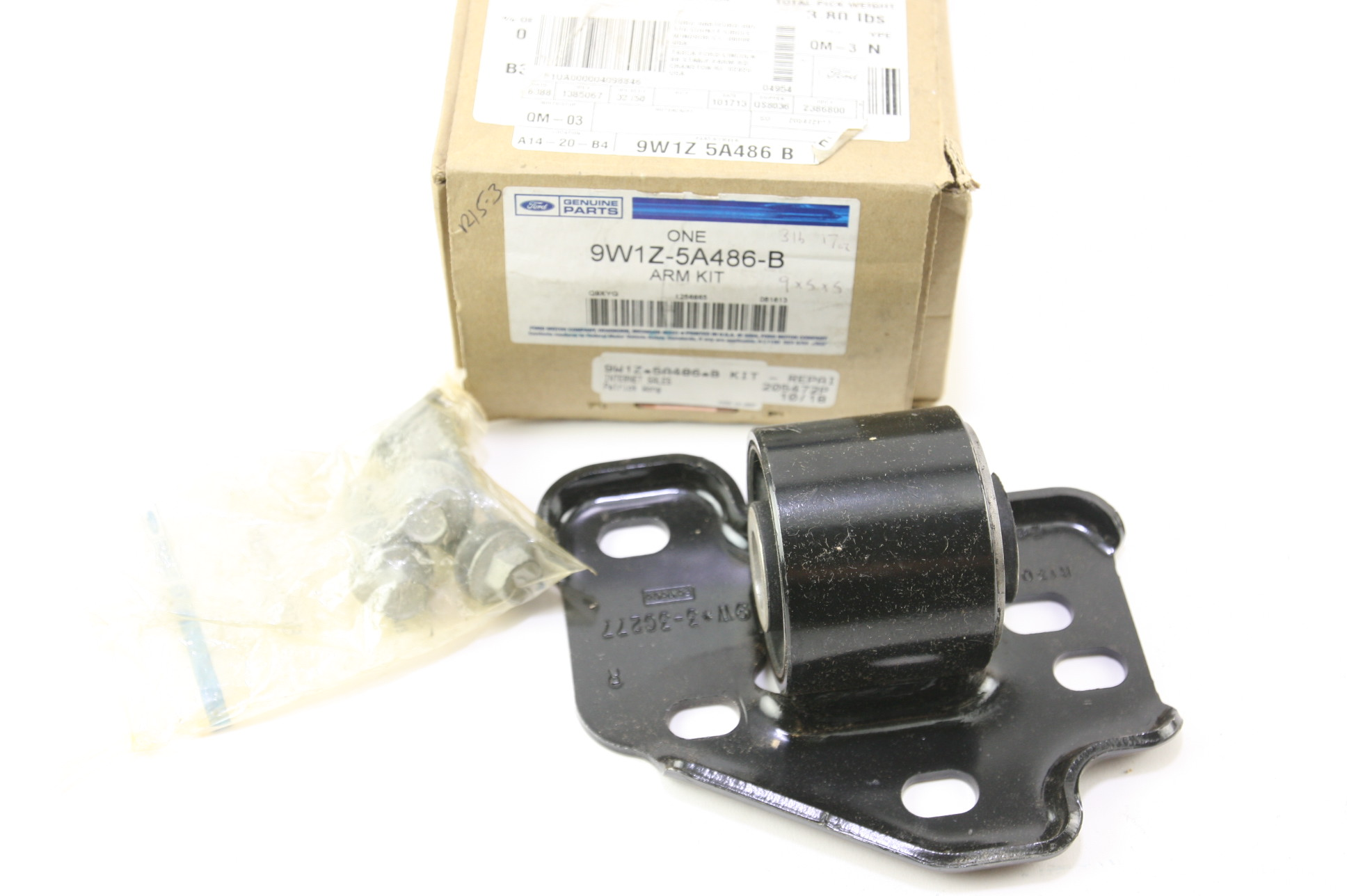 * New OEM 9W1Z5A486B Ford 03-11 Town Car Front Suspension Mount Bracket RH NIP - image 1