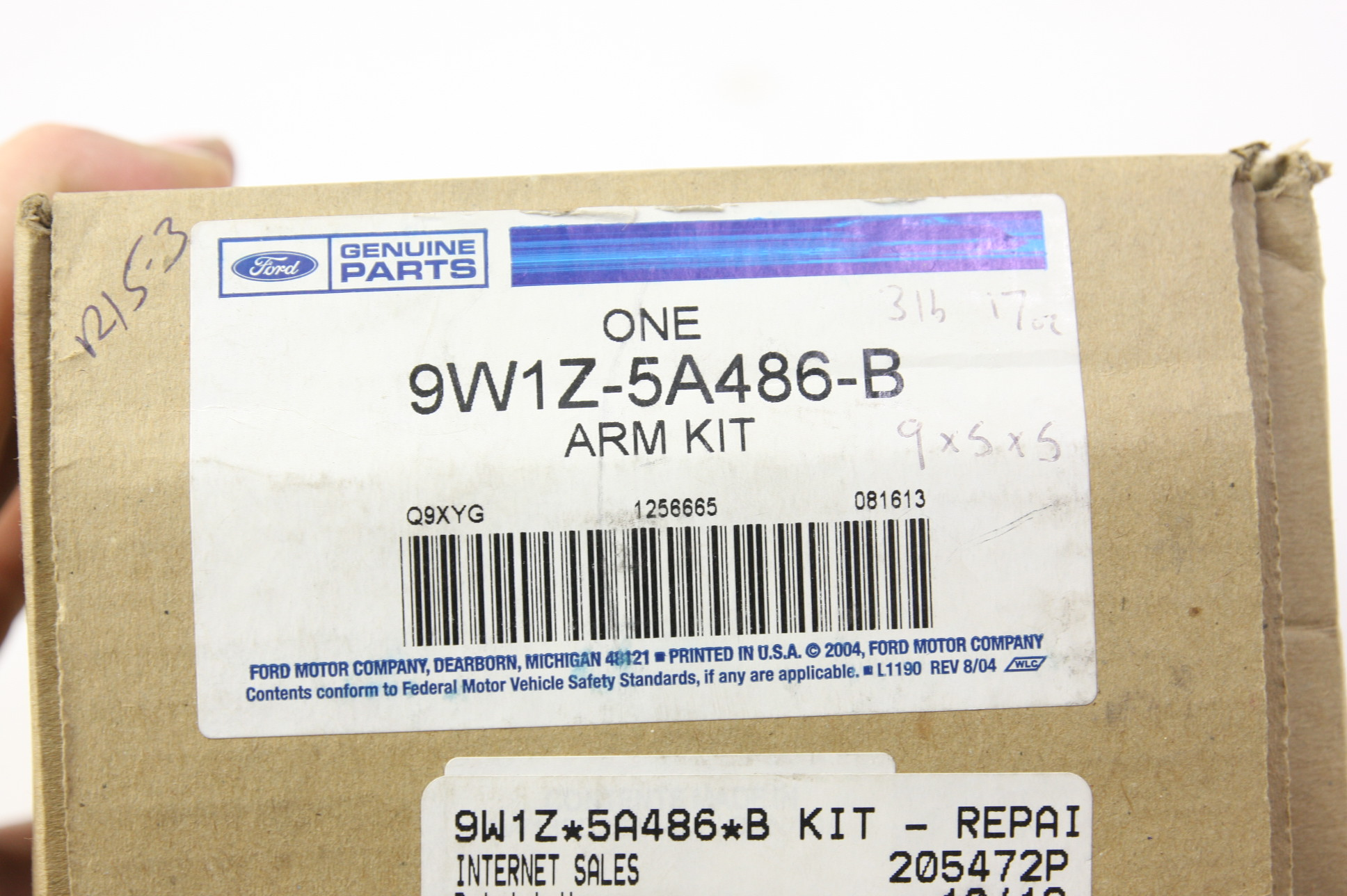 ** New OEM 9W1Z5A486B Ford 03-11 Town Car Front Suspension Mount Bracket RH NIP - image 2